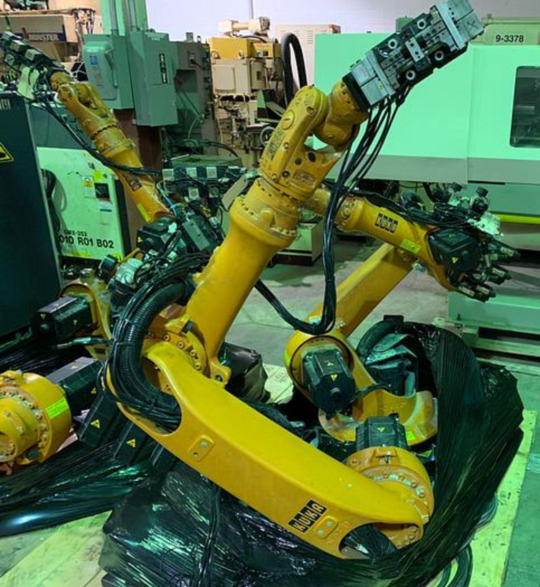 Lot 64 - KUKA KR6 ARC 6 AXIS CNC ROBOT 6KG X 1611MM W/KRC2 ed05 CONTROL, YEAR 2006, SN 880294/45502