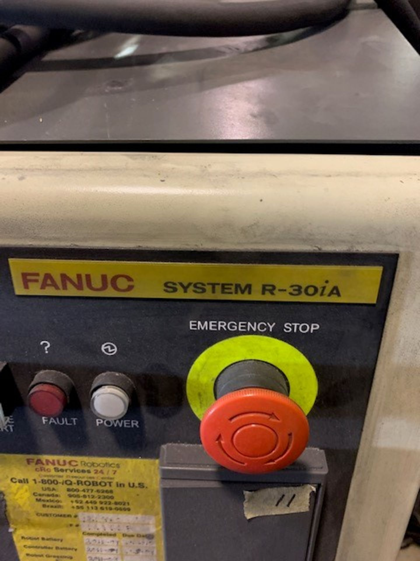 Lot 30 - FANUC ROBOT M900iA/350 WITH R-30iA CONTROL, TEACH & CABLES, YEAR 2011, SN 111638