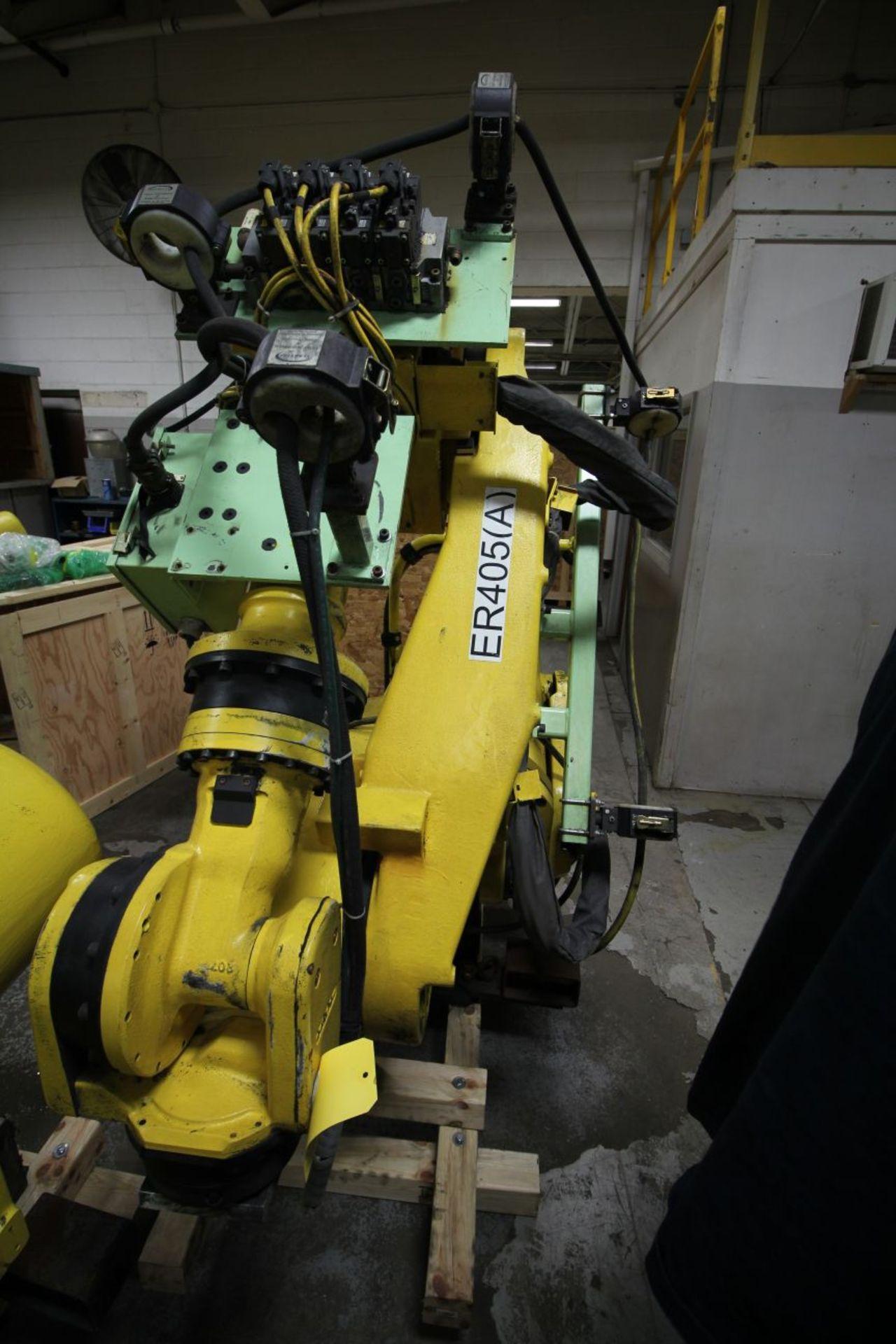 Lot 44 - FANUC ROBOT R-2000iA/200R WTIH R-J3iB CONTROLS, TEACH & CABLES, YEAR 2002, SN 55655