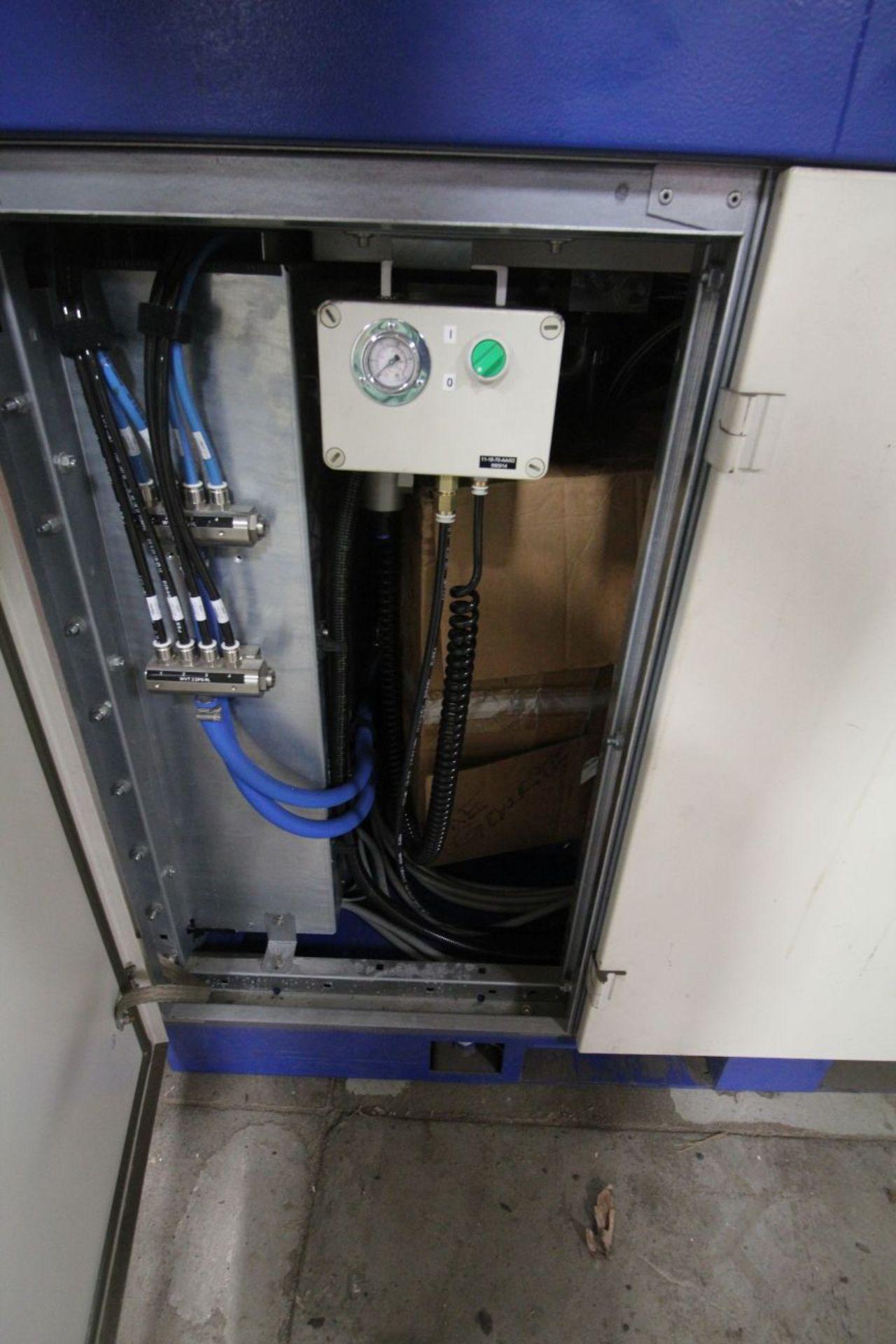 Lot 4 - ABB/TRUMPF ROBOTIC DUAL TRUNNION LASER CUTTING CELL, ABB 2400/16 & TUMPF TRUDISK 8002 LASER, 2007