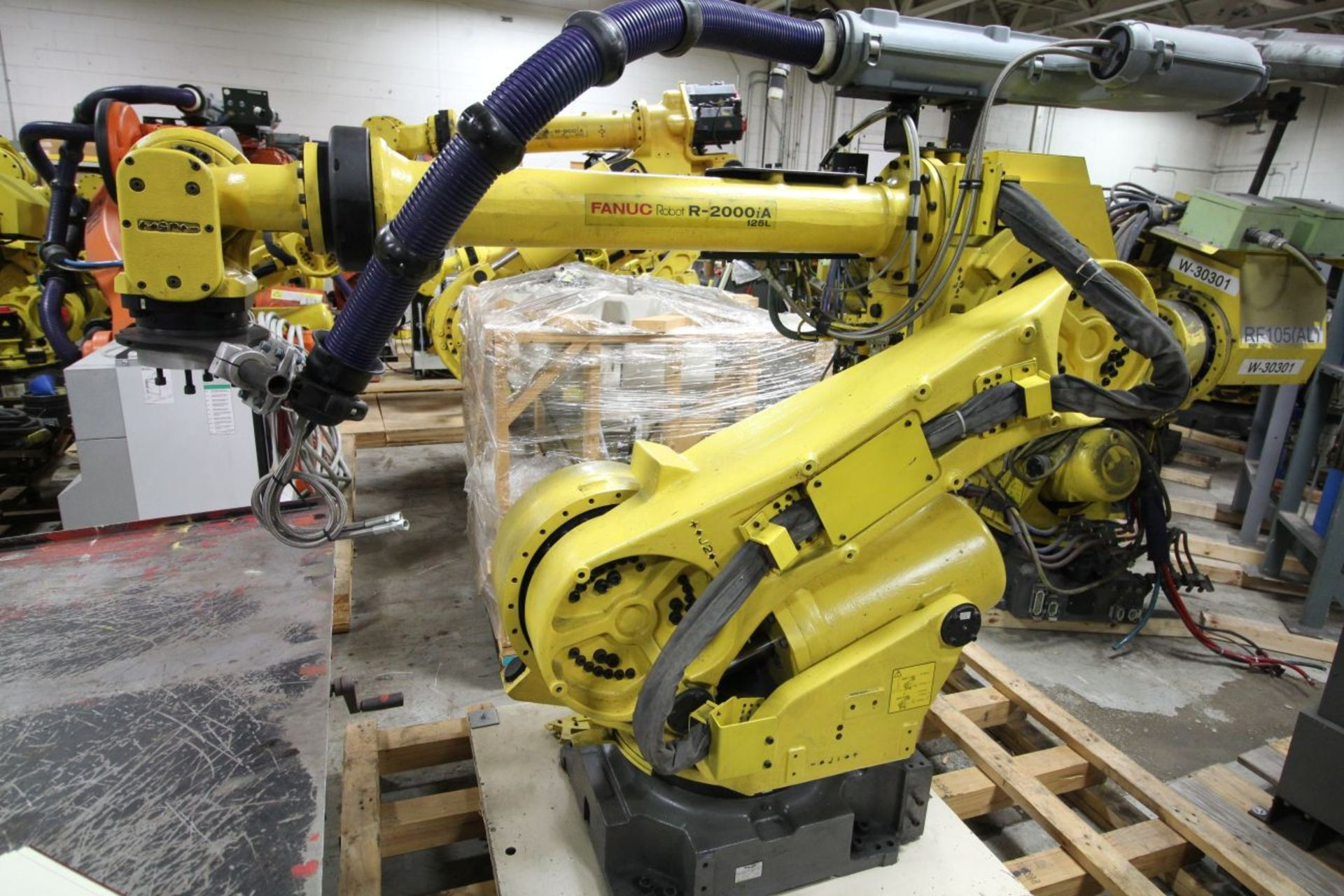 Lot 40 - FANUC ROBOT R2000iA/125L WITH R-J3iB CONTROLS, TEACH & CABLES, YEAR 2003, SN 58353, COMP REFURBED