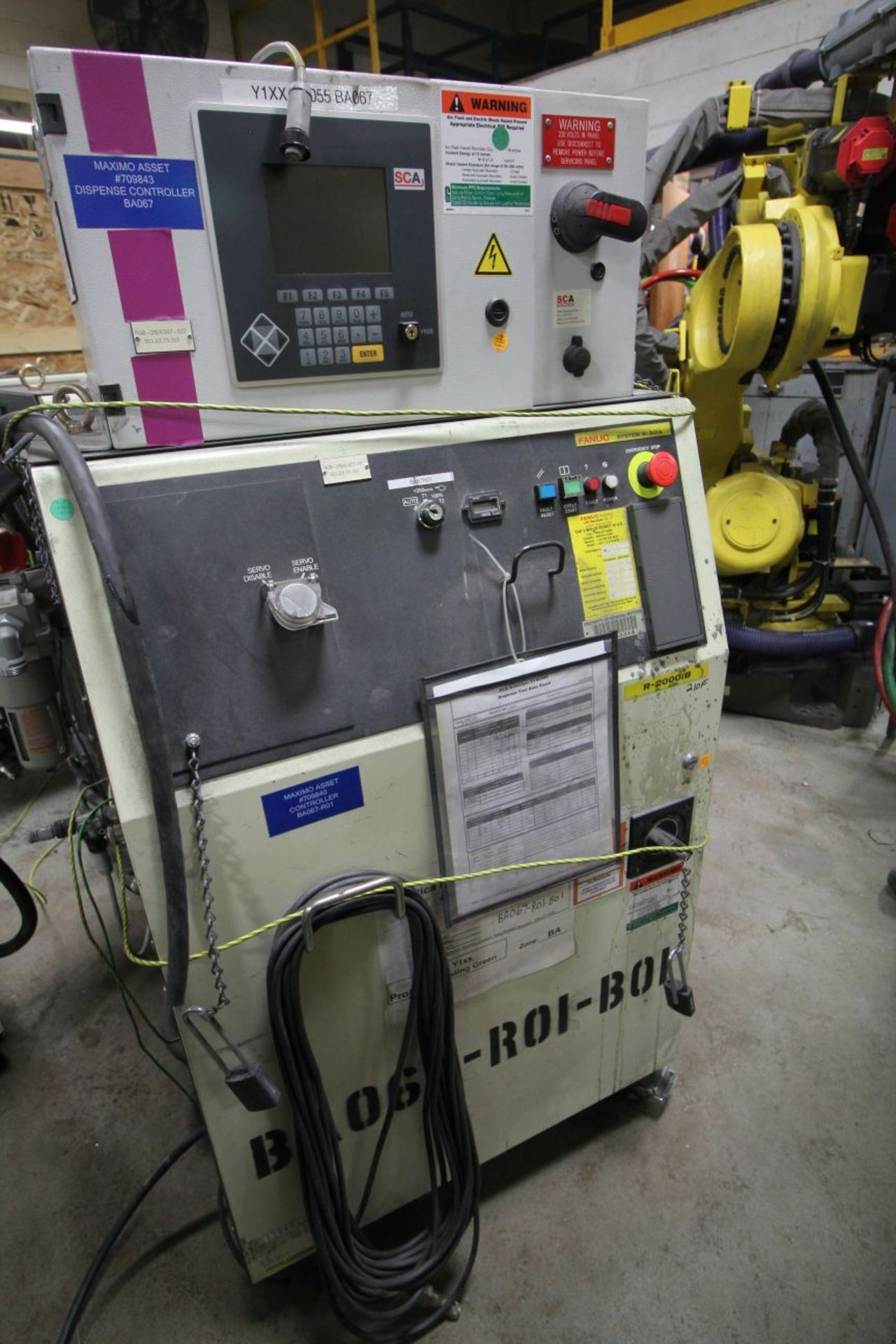 Lot 5 - FANUC ROBOT R2000IB/210F WITH R-30iA CONTROLS, TEACH & CABLES,YEAR 2011, SN 111668