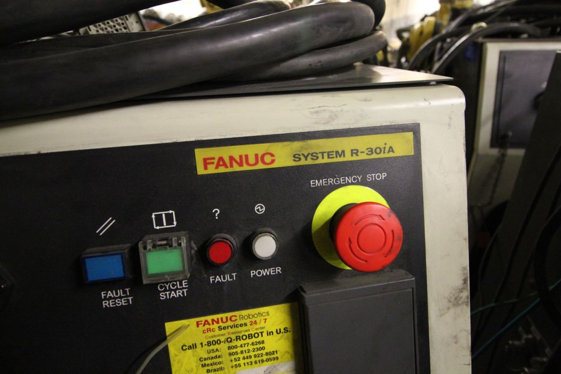 Lot 15 - FANUC ROBOT R2000IB/210F WITH R-30iA CONTROLS, TEACH & CABLES, YEAR 2011, SN 112461