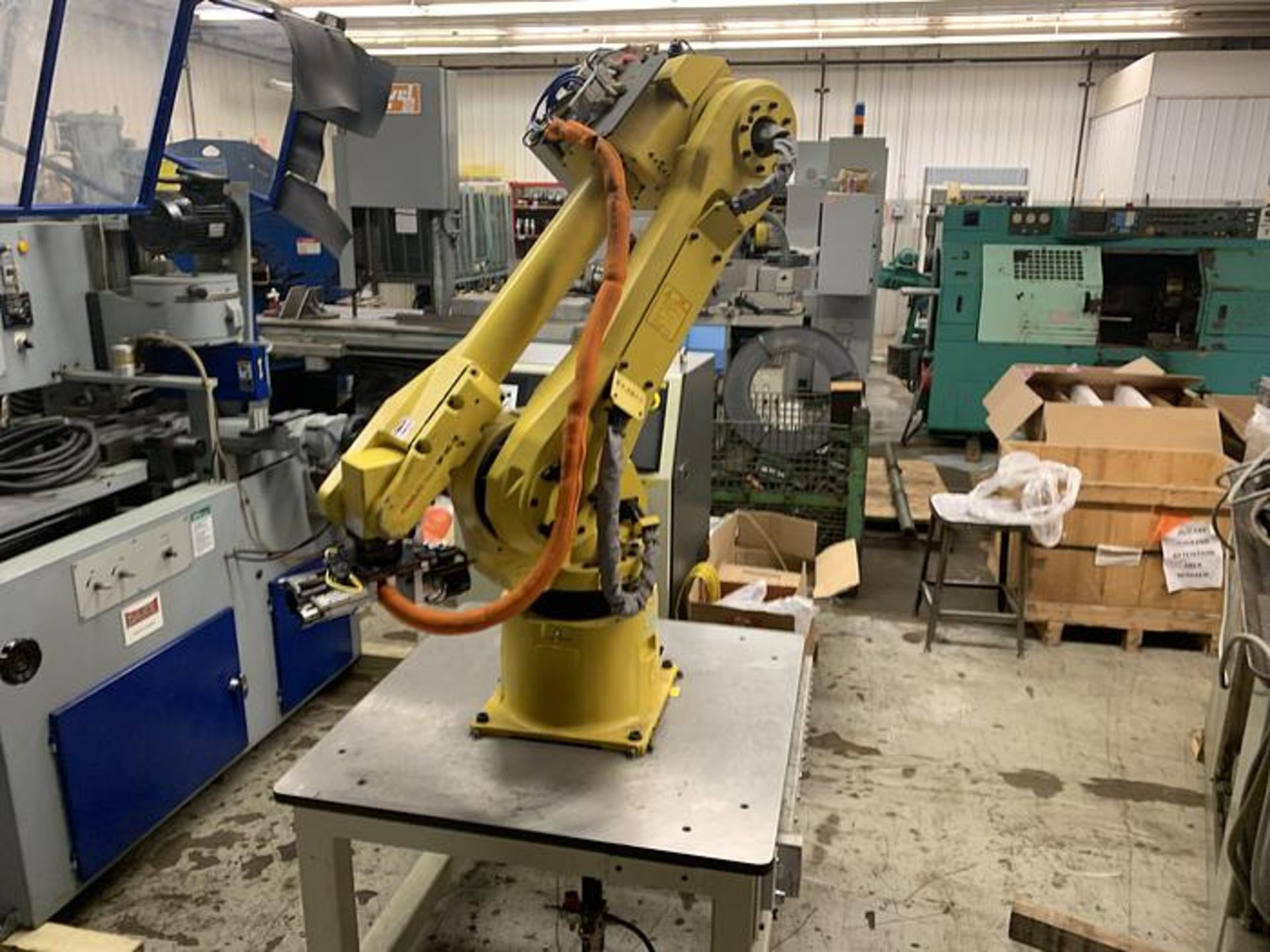 Lot 51 - FANUC M16iB/10L WITH RJ3iC (R30iA) CONTROLLER, TEACH & CABLES, YEAR 2006, SN 80306,