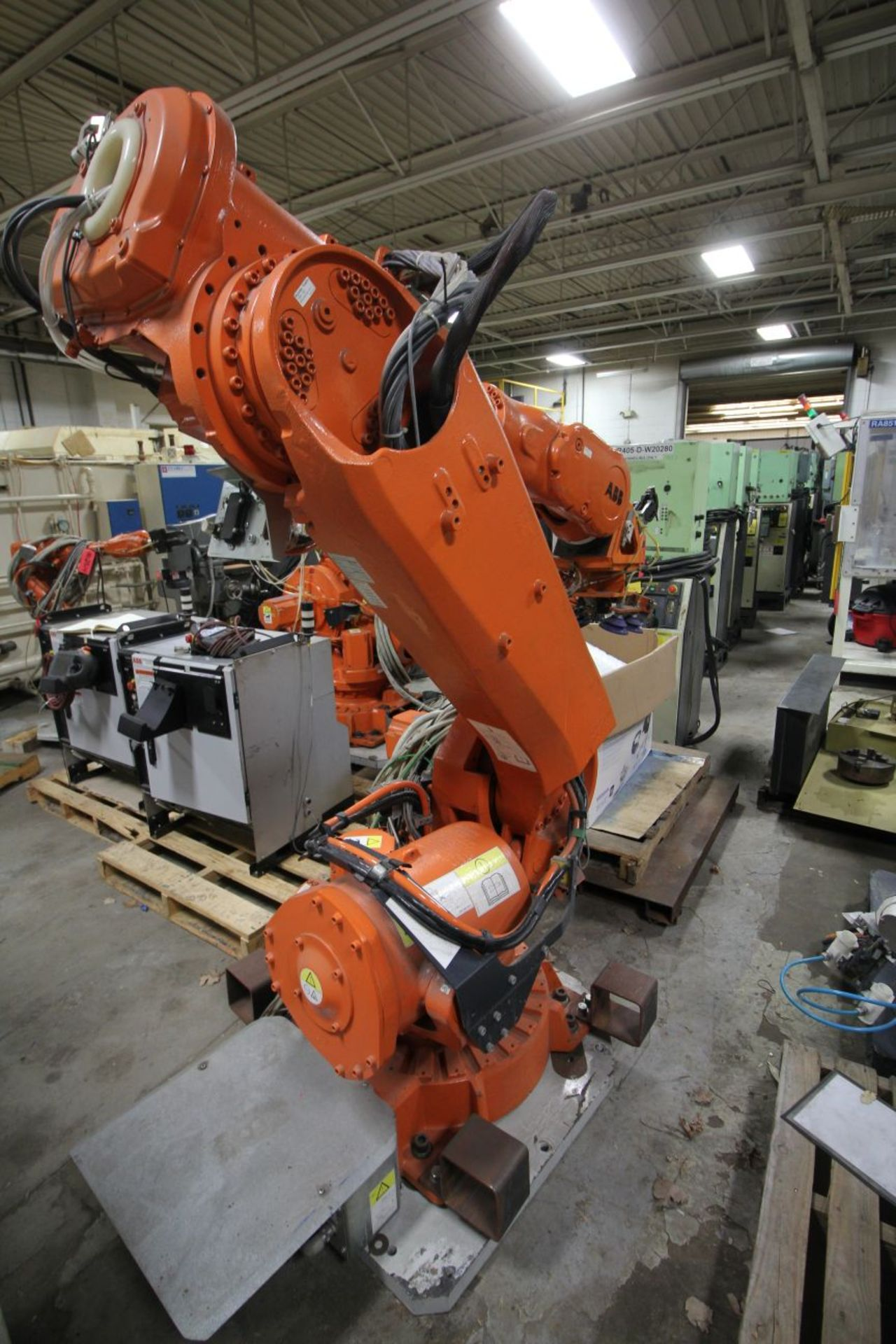 Lot 3 - ABB ROBOT IRB 6640 2.75/205KG WITH IRC5 CONTROLS, YEAR 2013 SN 501477