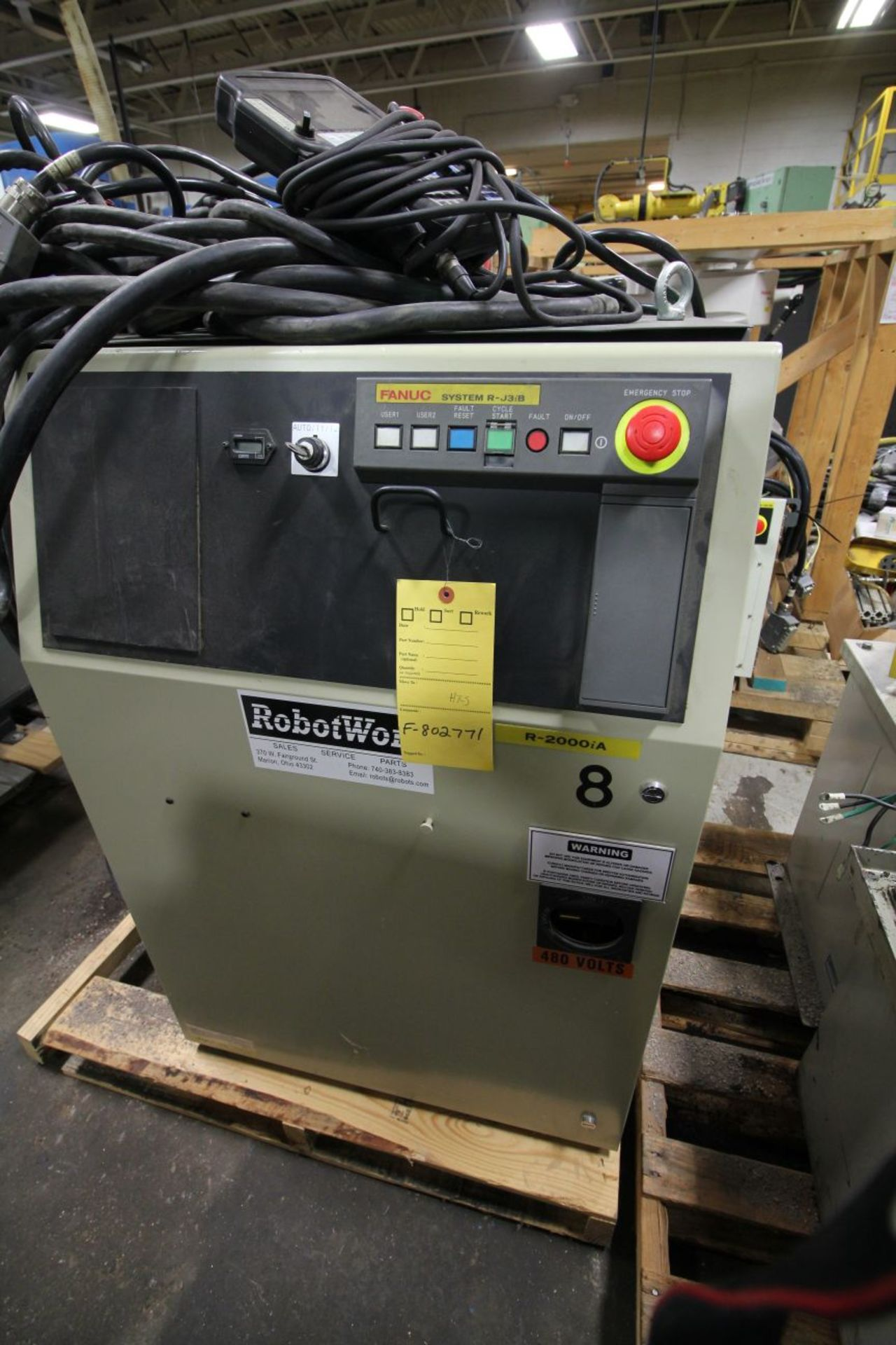 Lot 33 - FANUC ROBOT R2000iA/200FO WITH R-J3iB CONTROLS, TEACH & CABLES, YEAR 2005, SN 802771, COMP REFURBED