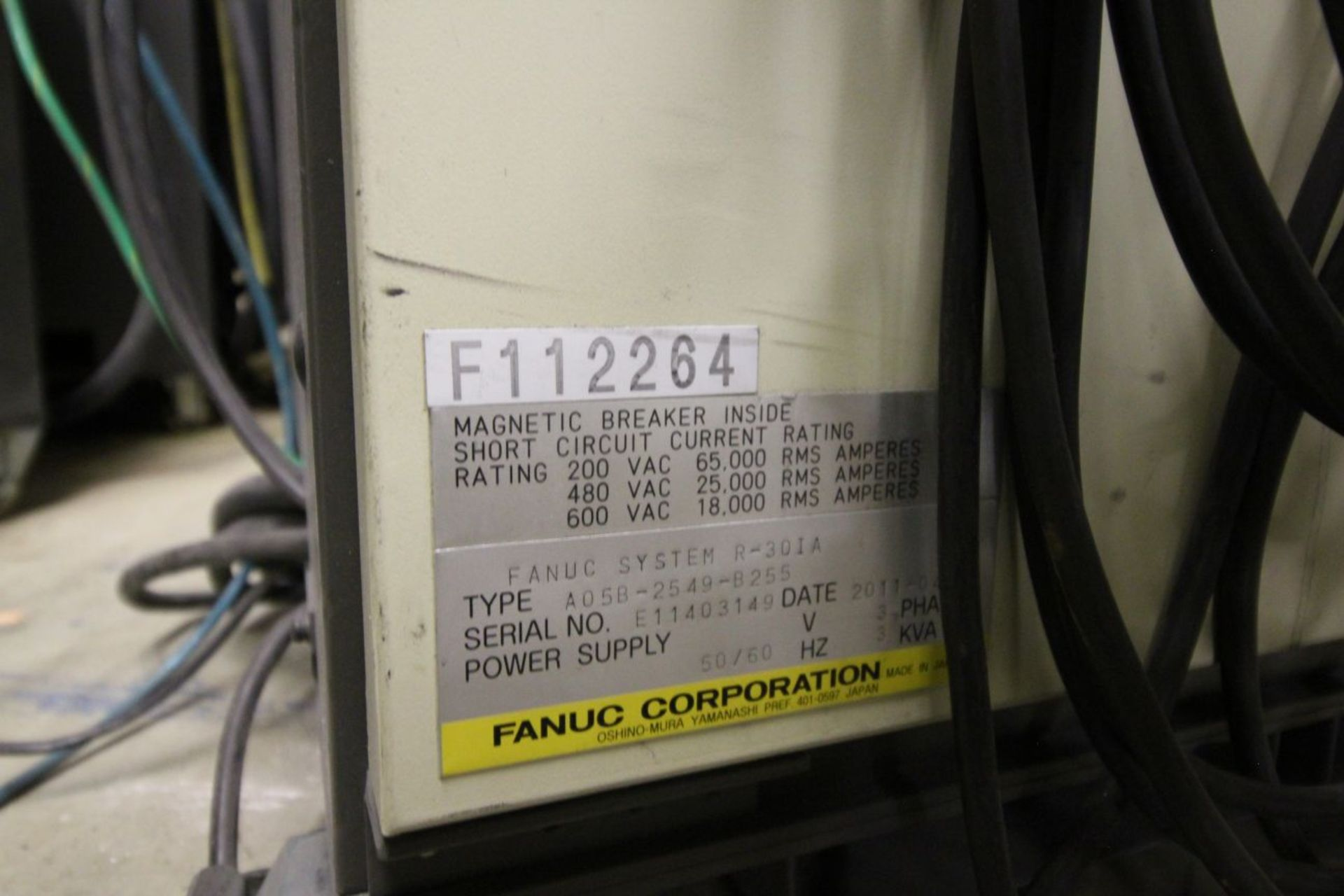 Lot 27 - FANUC ROBOT ARCMATE 120iC/10L WITH R-30iA CONTROL, TEACH & CABLES, YEAR 2011, SN 112264