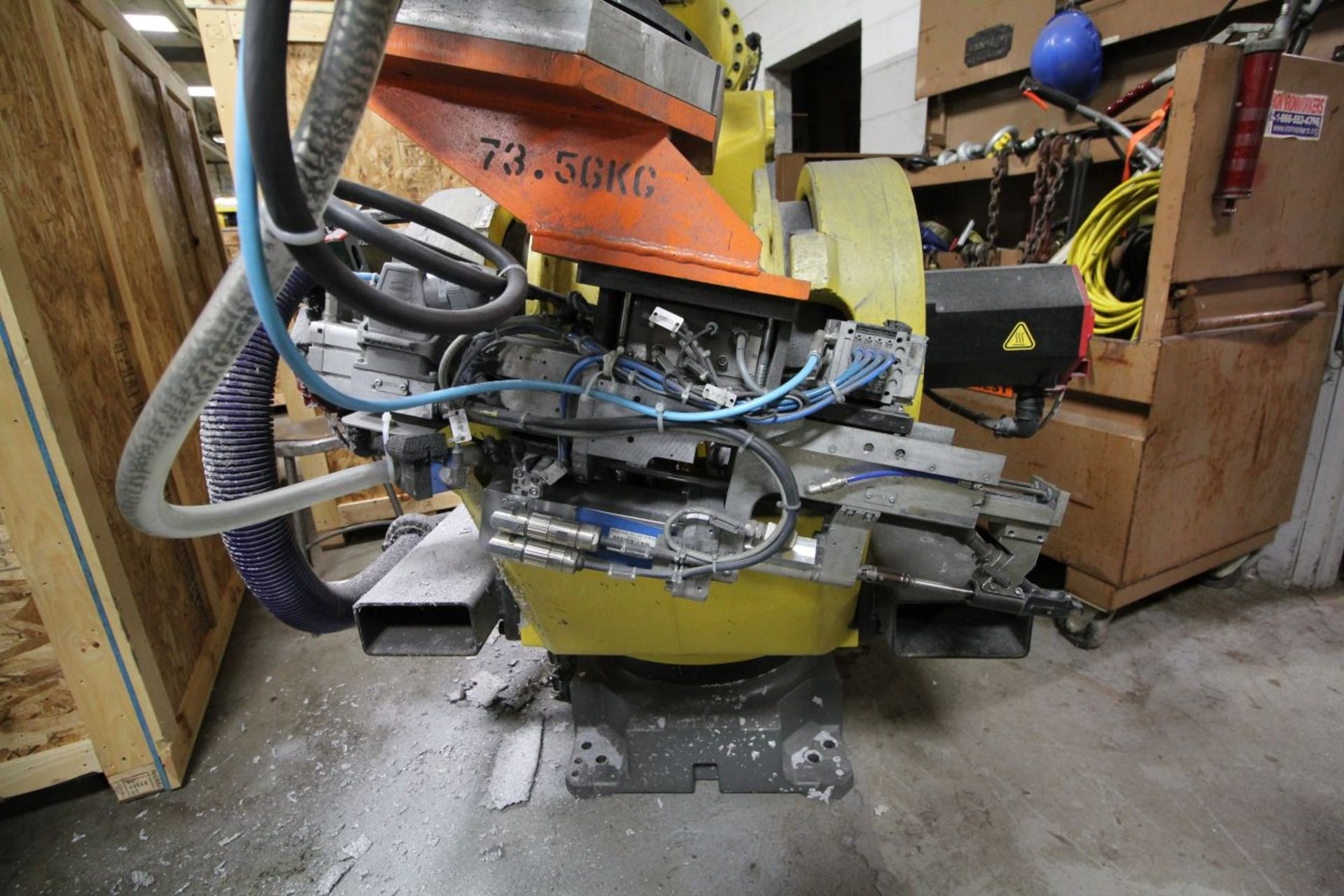Lot 12 - FANUC ROBOT M900iA/350 WITH R-30iA CONTROL, TEACH & CABLES, HOURS 6892, YEAR 2011, SN 111705