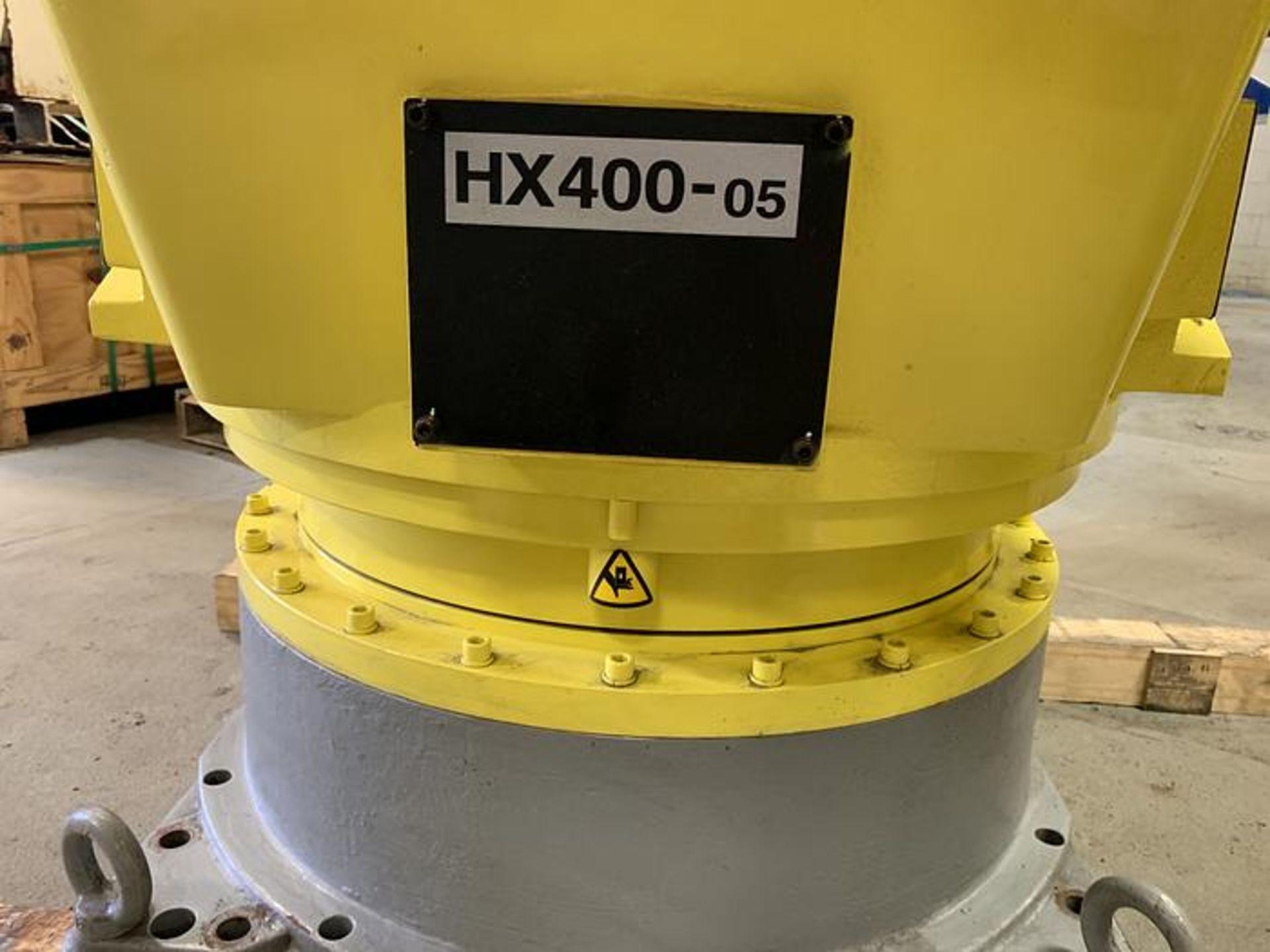 Lot 9 - HYUNDIA ROBOT MODEL HX400 400KG X 2573MM H REACH WITH Hi5-N80U CONTR, YEAR 2012, SN HB35-054-572