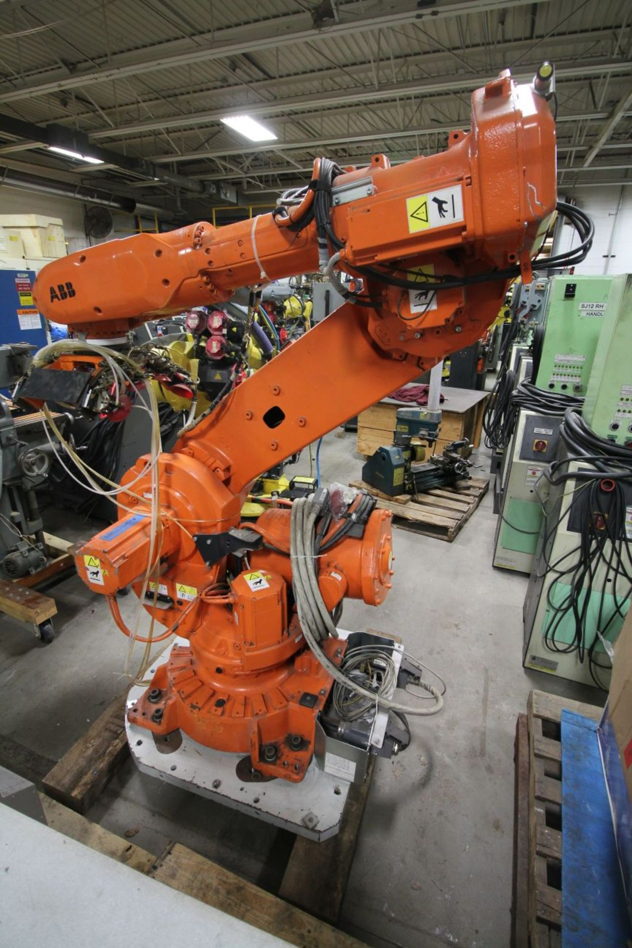 Lot 2 - ABB ROBOT IRB 6640 2.75/205KG WITH IRC5 CONTROLS, YEAR 2013 SN 501478