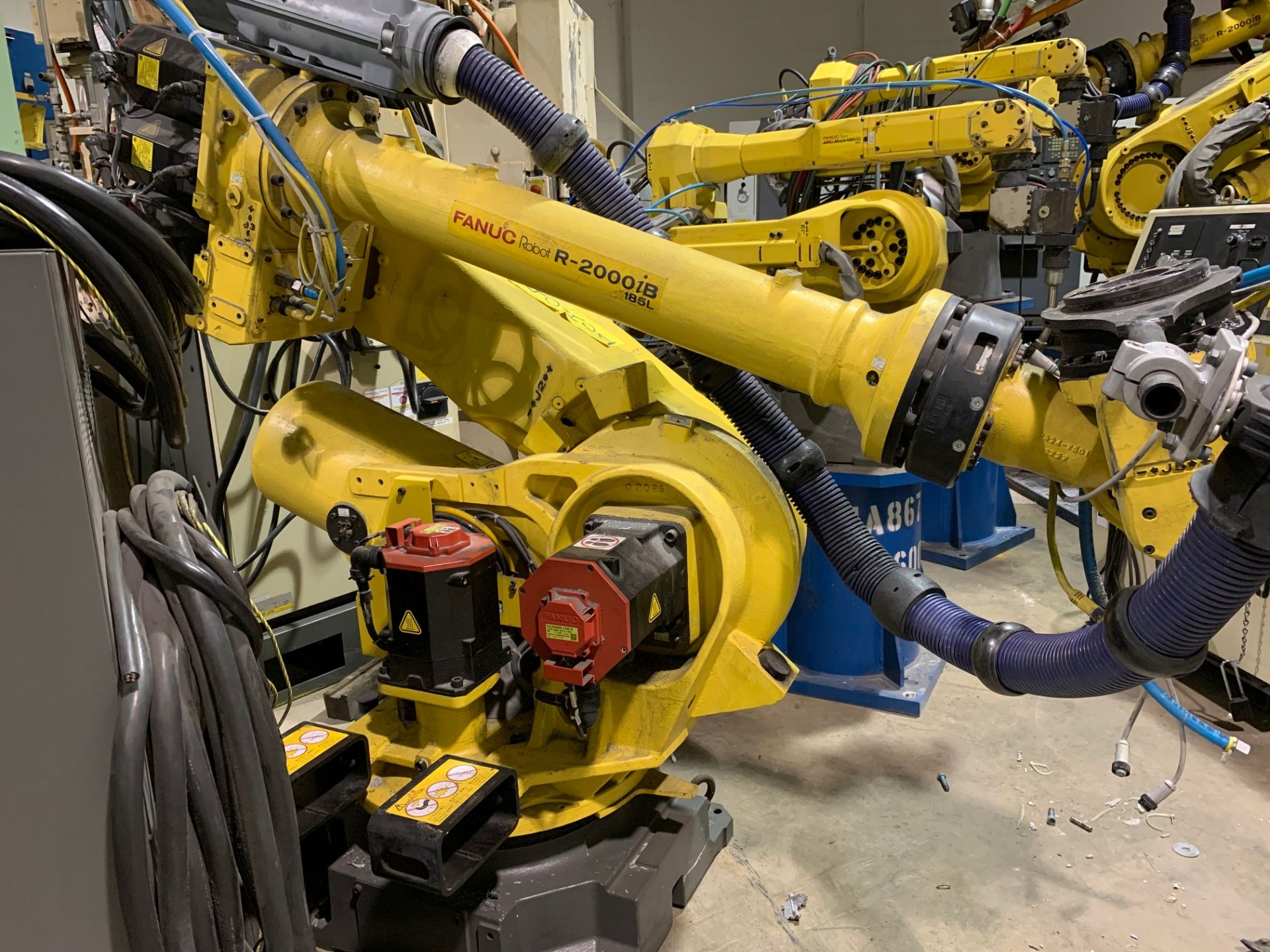 Lot 53 - FANUC ROBOT R2000iB/185L WITH R30iA CONTROLLER, TEACH & CABLES, YEAR 2013, SN 132164