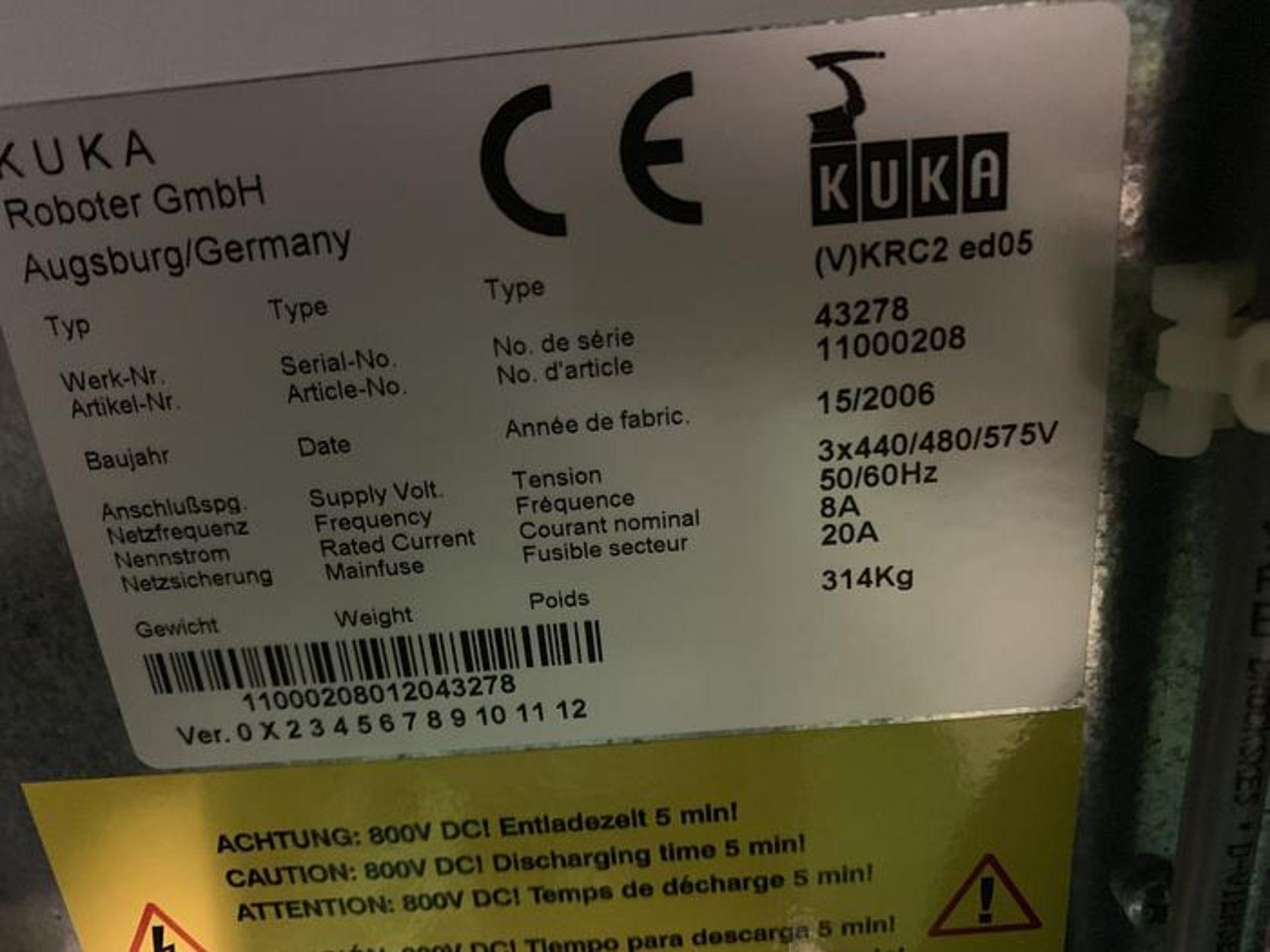 Lot 63 - KUKA KR6 ARC 6 AXIS CNC ROBOT 6KG X 1611MM W/KRC2 ed05 CONTROL, YEAR 2006, SN 880252/43278