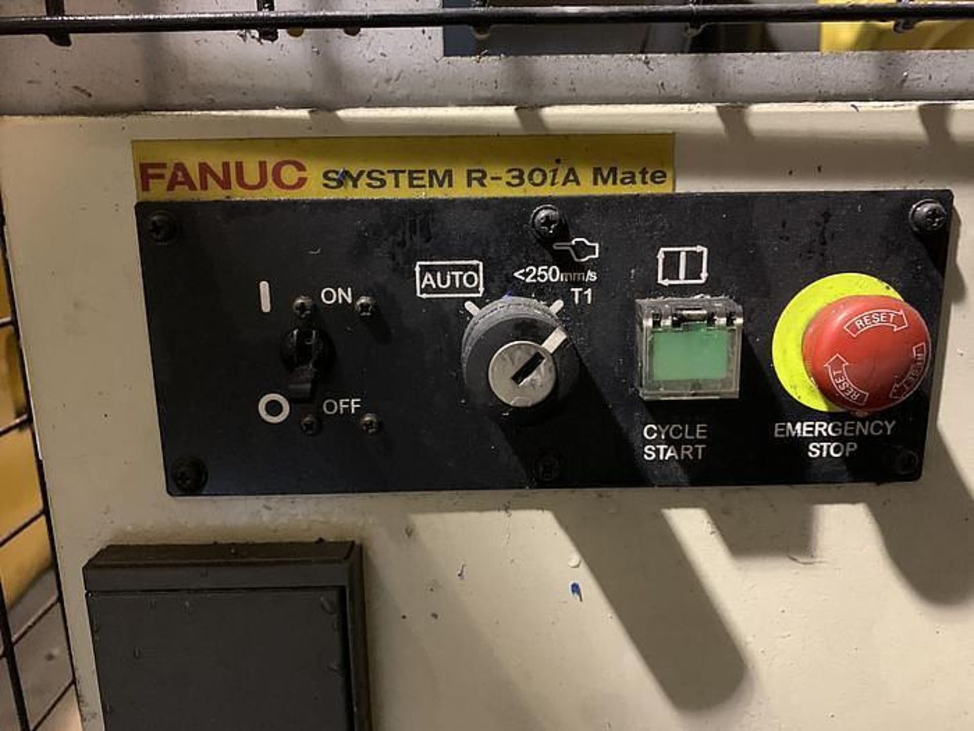 FANUC LR MATE 200iC/5L 6 AXIS CNC ROBOT WITH R30iA CONTROLLER, YEAR 2011, SN F113130 - Image 5 of 6