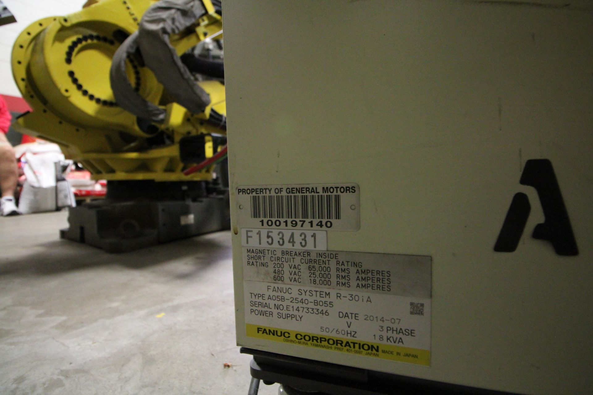 FANUC ROBOT M-900iA/400L WITH R-30iA CONTROLLER, TEACHPENDANT AND CABLES, SN 153431, YEAR 2014 - Image 10 of 11