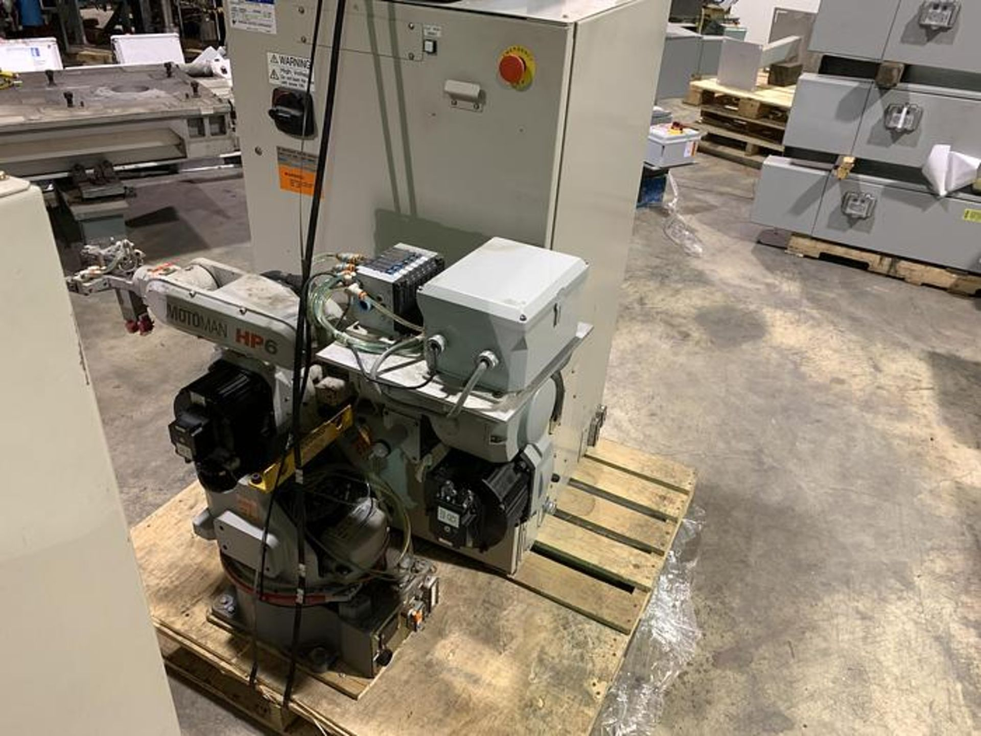 MOTOMAN ROBOT HP6 6KG X 1378 MM REACH NX100 CONTROLLER, CABLES & TEACH, SN S4M230-1-6, YEAR 04/2005