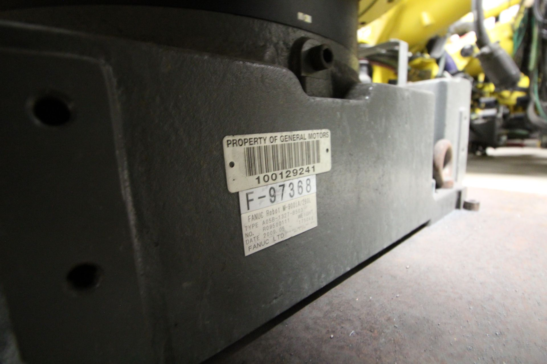 FANUC ROBOT M900iA/260L WITH R-30iA CONTROL, CABLES & TEACH PENDANT, SN 97368, YEAR 2009 - Image 9 of 9