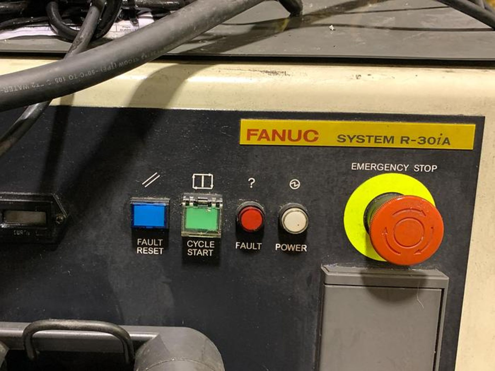 FANUC M710iC/50 6 AXIS CNC ROBOT WITH R30iA CONTROLLER AND VISION CONNECTIONS, SN 109513, YEAR 2011 - Image 6 of 8