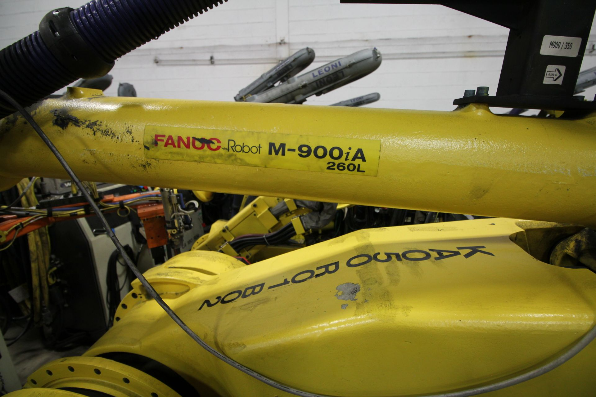 FANUC ROBOT M900iA/260L WITH R-30iA CONTROL, CABLES & TEACH PENDANT, SN 97368, YEAR 2009 - Image 4 of 9