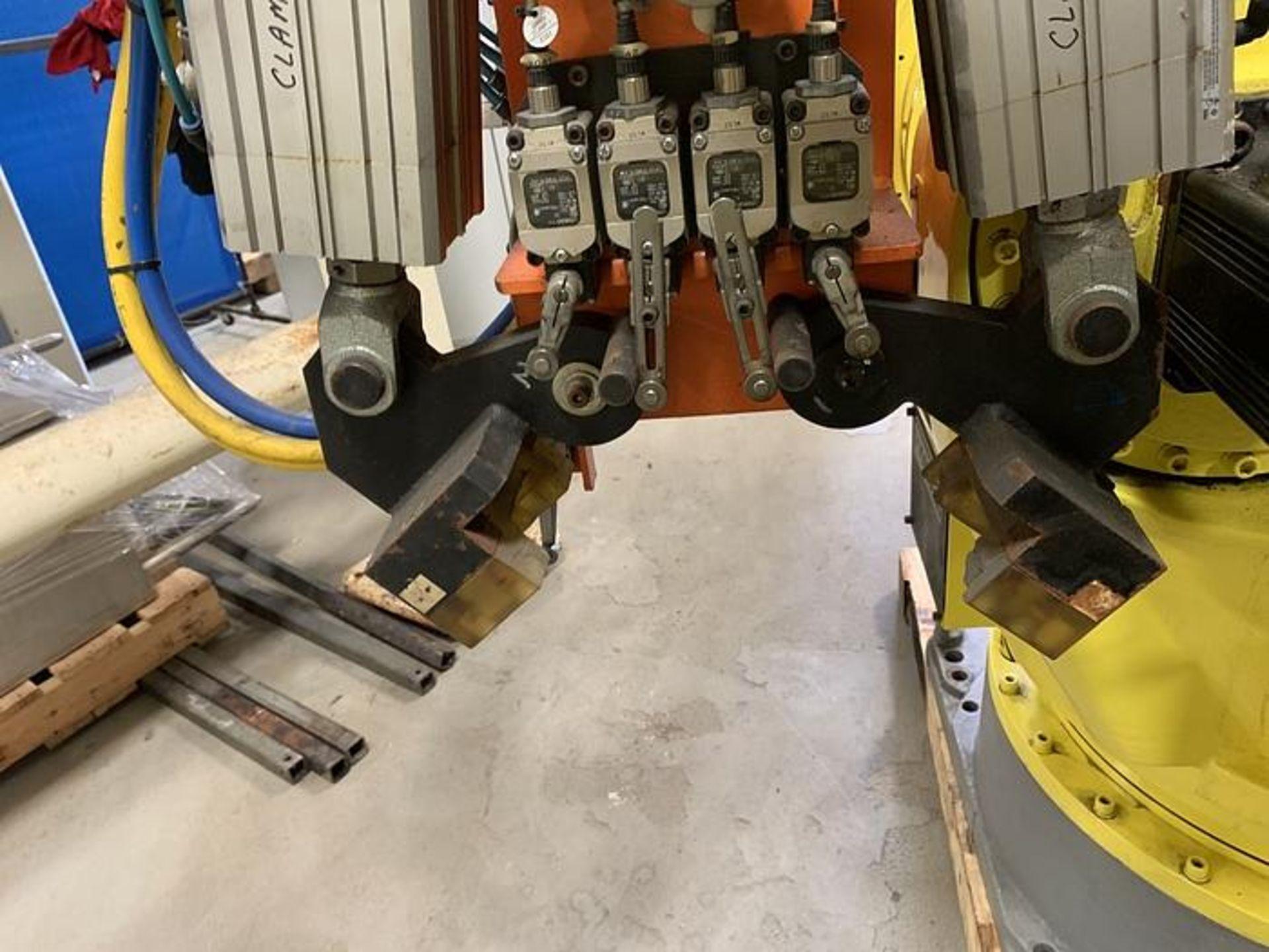 HYUNDIA MODEL HX400 400KG X 2573MM Hi5-N80U CONT. 6 AXIS CNC ROBOT, YEAR 2012, SN HB35-054-572 - Image 11 of 21