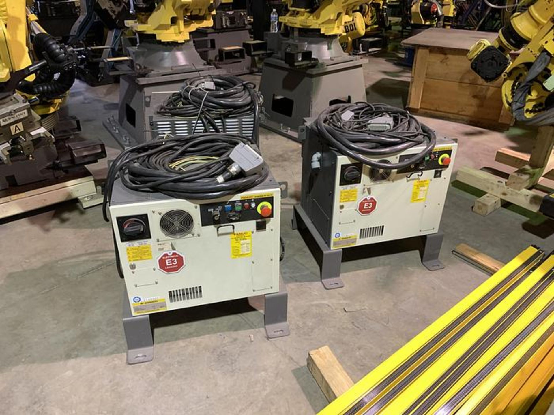 FANUC R2000iC/125L 6 AXIS CNC ROBOT WITH R30iB CONTROLLER, IR VISION, CABLES & REACH - Image 11 of 17