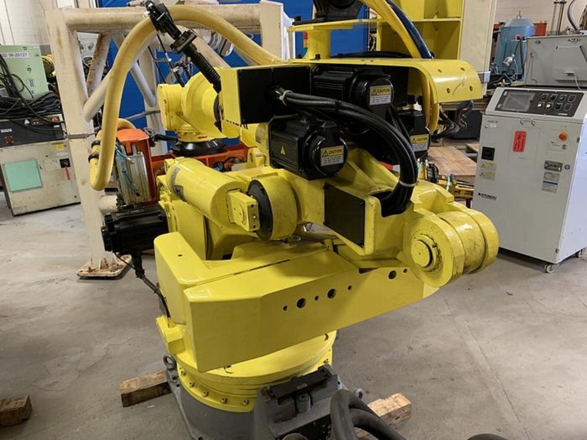 HYUNDIA MODEL HX400 400KG X 2573MM Hi5-N80U CONT. 6 AXIS CNC ROBOT, YEAR 2012, SN HB35-054-572 - Image 2 of 21
