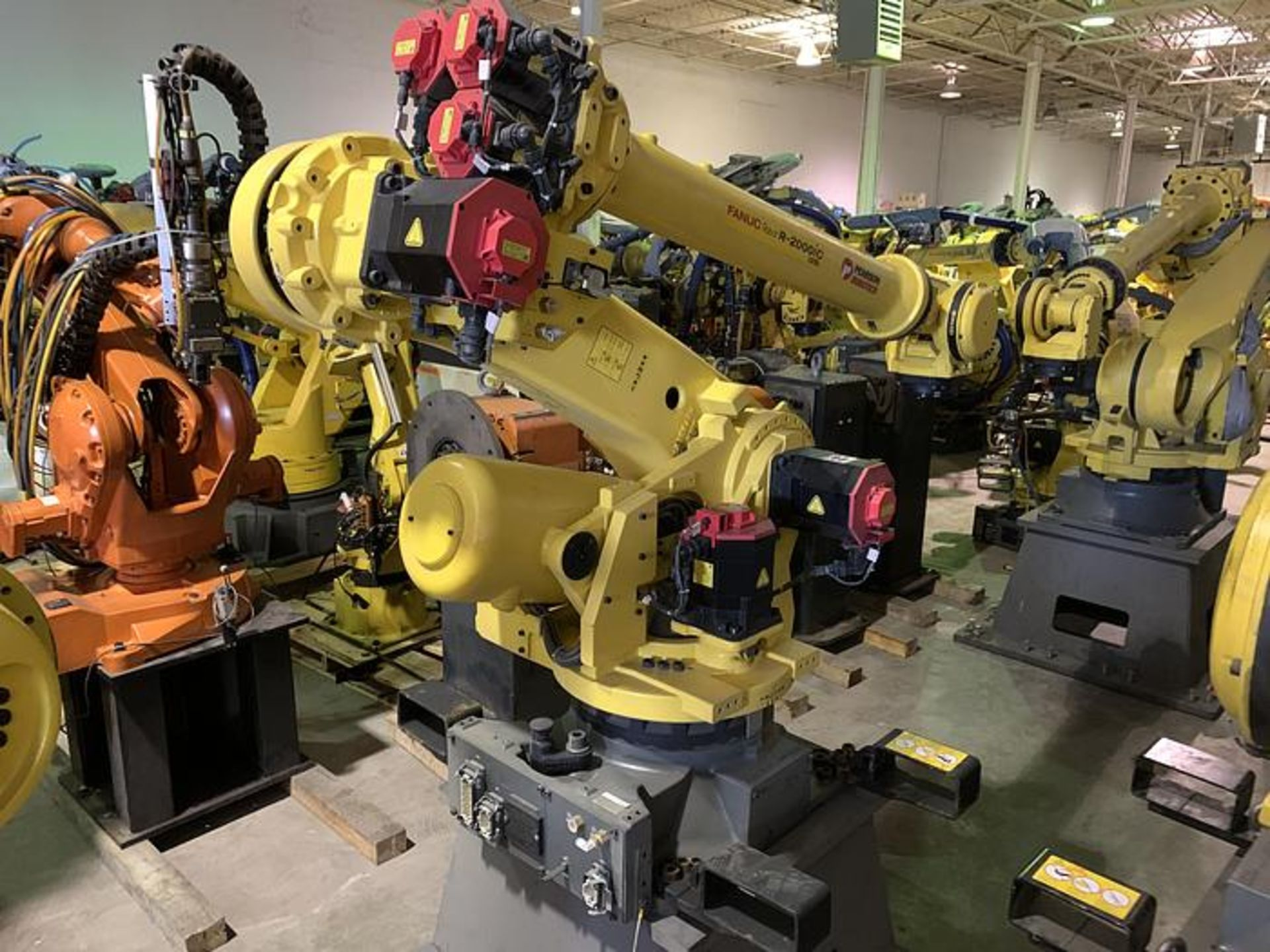 FANUC R2000iC/125L 6 AXIS CNC ROBOT WITH R30iB CONTROLLER, IR VISION, CABLES & REACH - Image 5 of 17