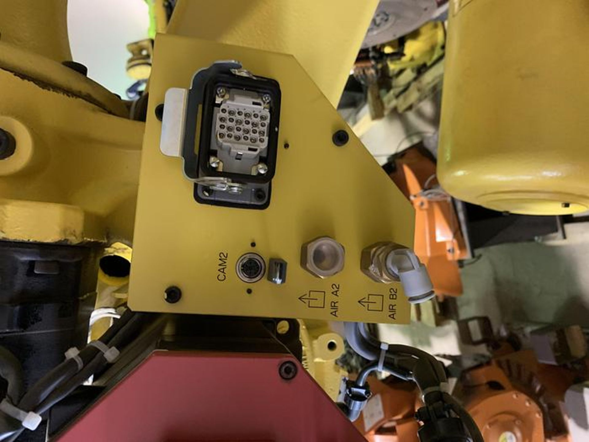 FANUC R2000iC/125L 6 AXIS CNC ROBOT WITH R30iB CONTROLLER, IR VISION, CABLES & REACH - Image 8 of 17
