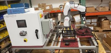 NACHI MZ04E 6 AXIS CNC COLLABRATIVE ROBOT 4 KG X 541 MM REACH NEVER USED BUILT 2018
