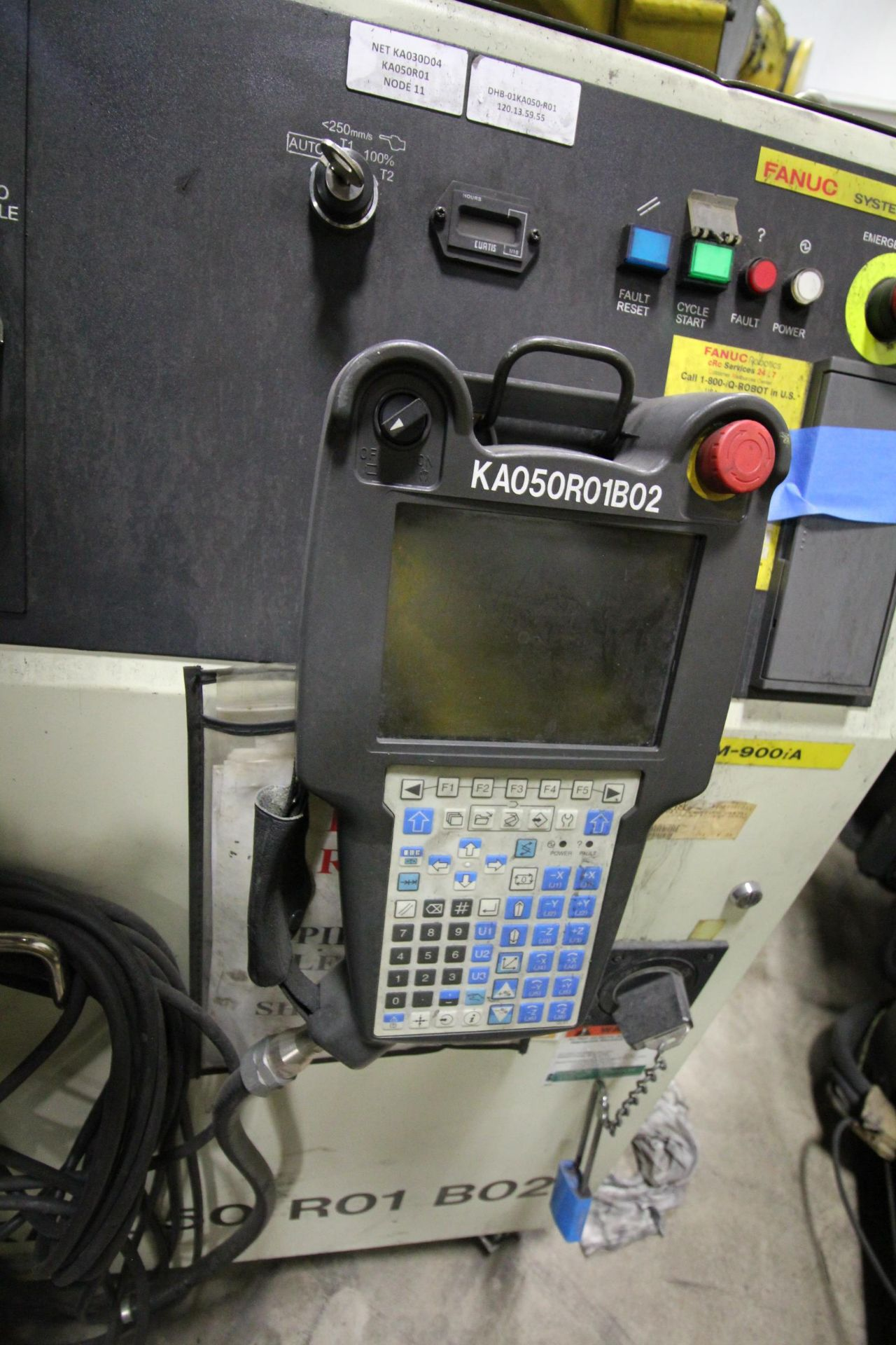 FANUC ROBOT M900iA/260L WITH R-30iA CONTROL, CABLES & TEACH PENDANT, SN 97368, YEAR 2009 - Image 5 of 9