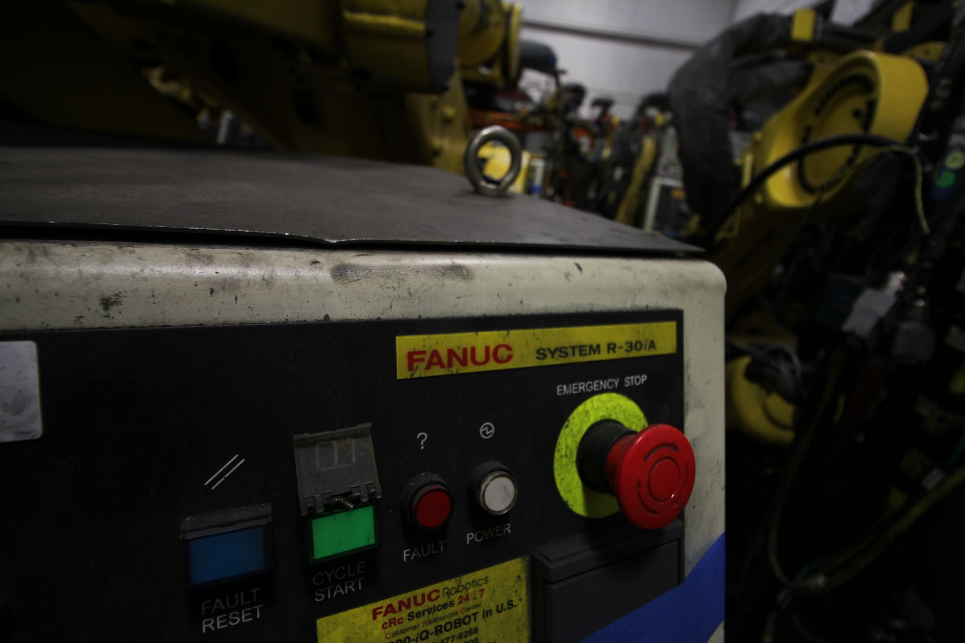 FANUC ROBOT M900iA/260L WITH R-30iA CONTROL, CABLES & TEACH PENDANT, SN 97368, YEAR 2009 - Image 7 of 9