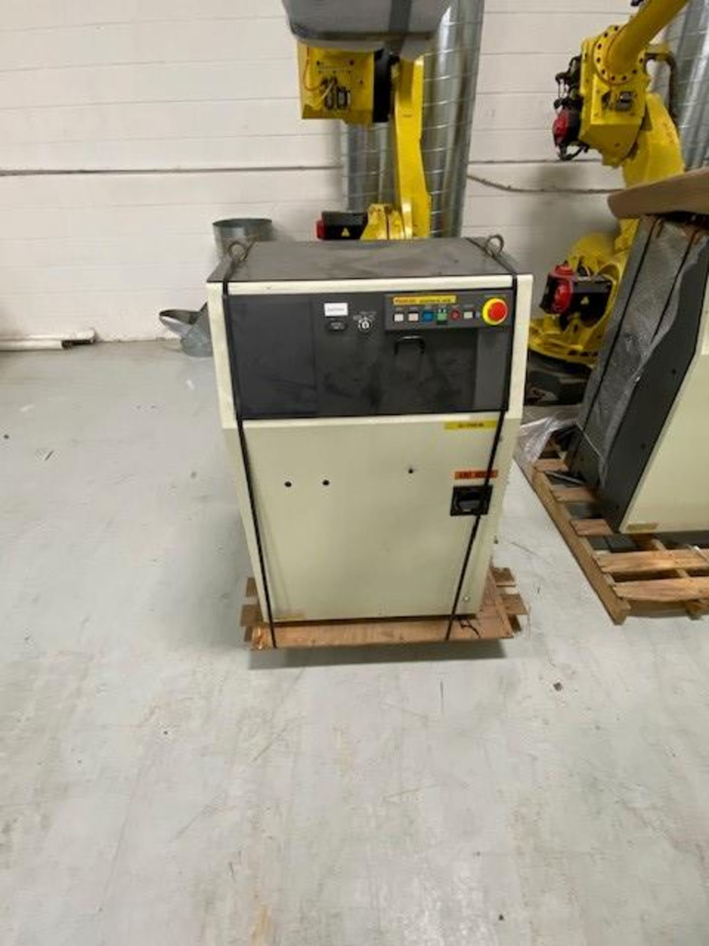 FANUC M710iB/70 WITH R-J3IB CONTROLS, TEACH PENDANT & CABLES, SN 70551 - Image 4 of 9