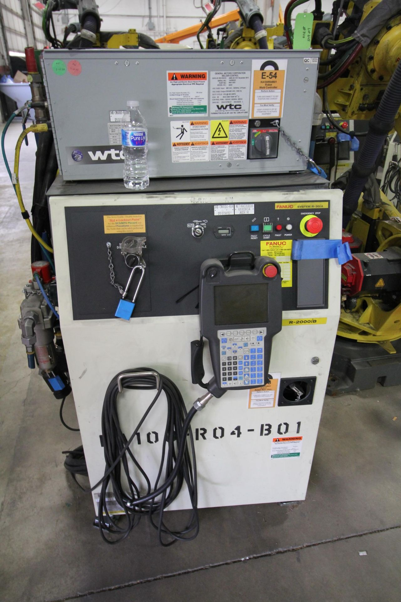 FANUC ROBOT R-2000iB/210F WITH R-30iA CONTROL, CABLES & TEACH PENDANT, SN 148715, YEAR 2014 - Image 3 of 8