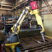 FANUC ARCMATE 120iC 6 AXIS MIG WELDING ROBOT WITH LINCOLN PWAVE i400 POWER SUPPLY & FANUC R30iA CONT