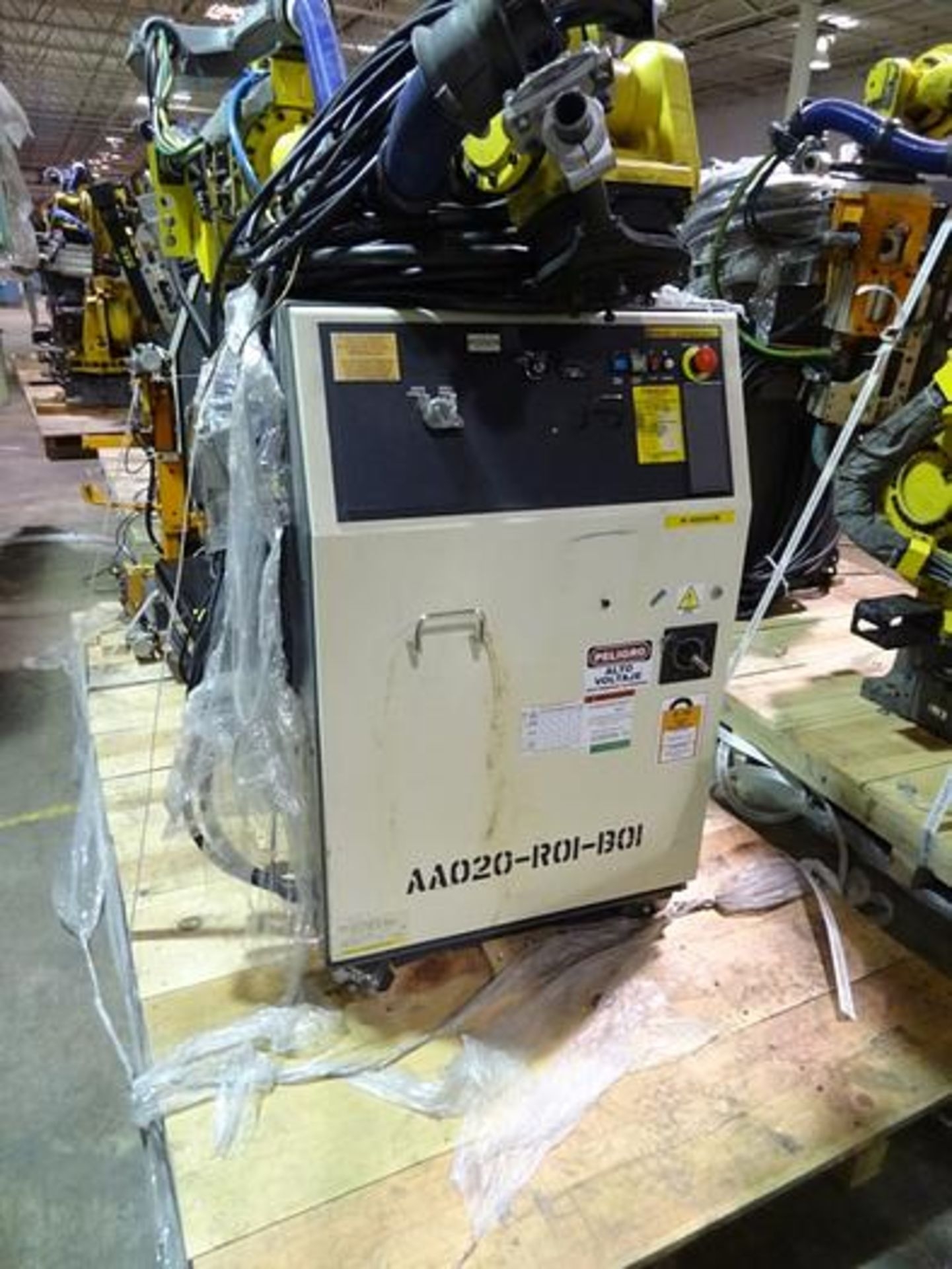 FANUC ROBOT R2000iB/185L WITH R30iA CONTROLLER, TEACH & CABLES, YEAR 2013, SN 132164 - Image 5 of 6