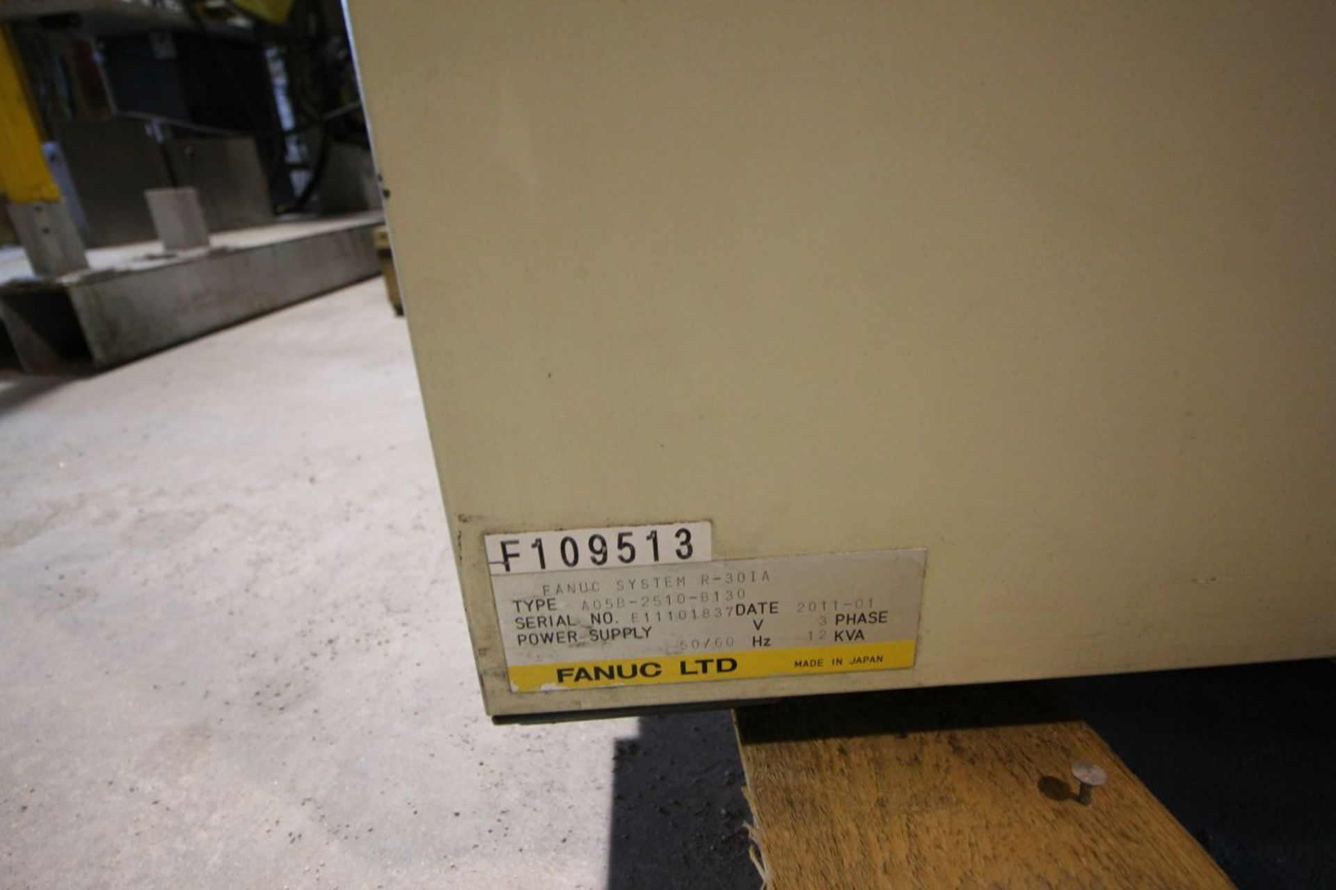 FANUC M710iC/50 6 AXIS CNC ROBOT WITH R30iA CONTROLLER AND VISION CONNECTIONS, SN 109513, YEAR 2011 - Image 7 of 8