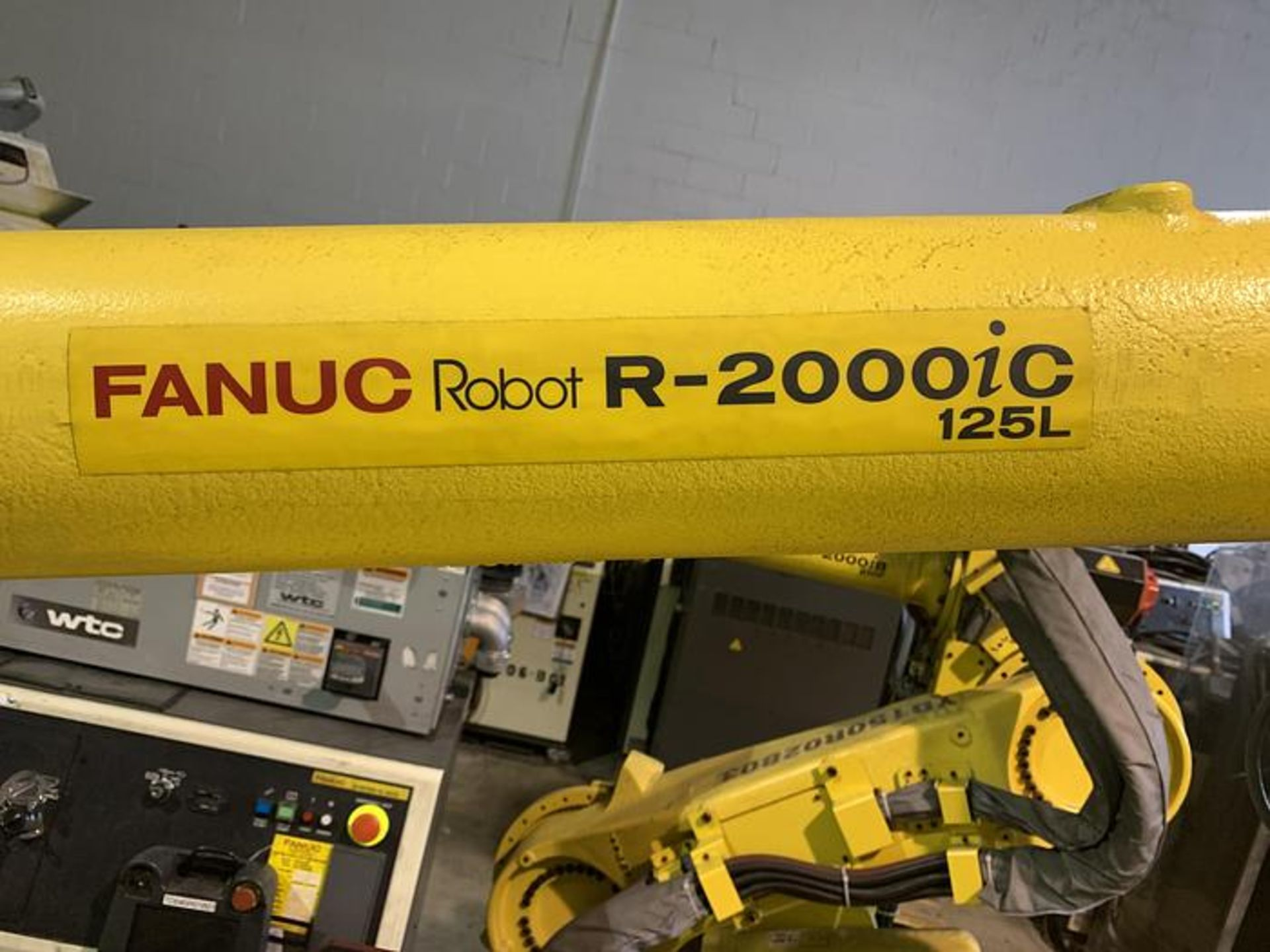 FANUC ROBOT R2000iC/125L 6 AXIS ROBOT WITH R30iB CONTROLLER, IR VISION, SN 194246, CABLES & TEACH - Image 4 of 19
