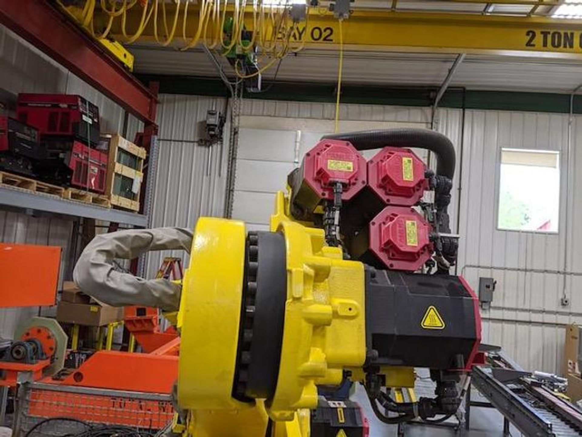 FANUC ROBOT R2000iC/125L 6 AXIS ROBOT WITH R30iB CONTROLLER, IR VISION, SN 194246, CABLES & TEACH - Image 10 of 19