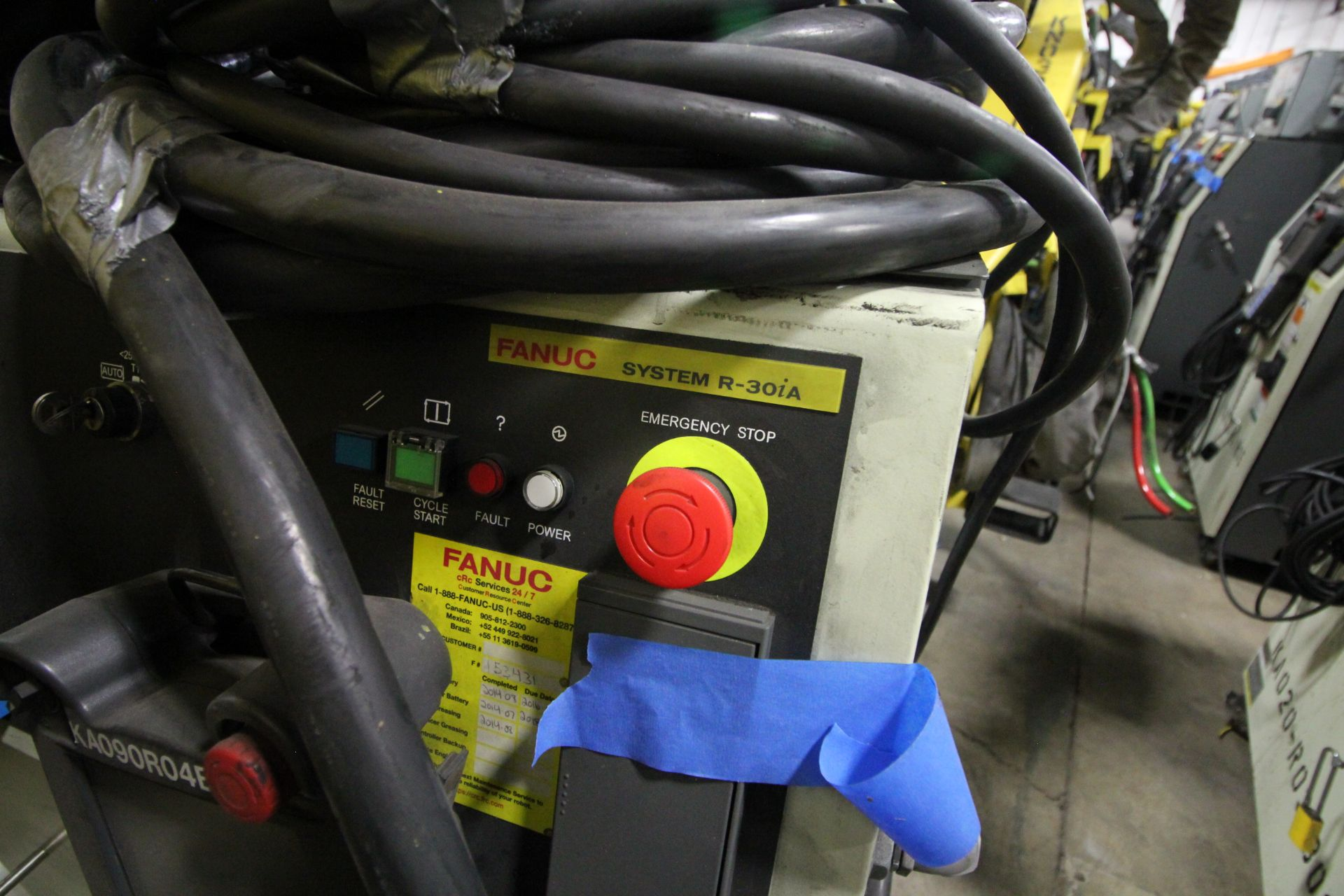 FANUC ROBOT M-900iA/400L WITH R-30iA CONTROLLER, TEACHPENDANT AND CABLES, SN 153431, YEAR 2014 - Image 9 of 11