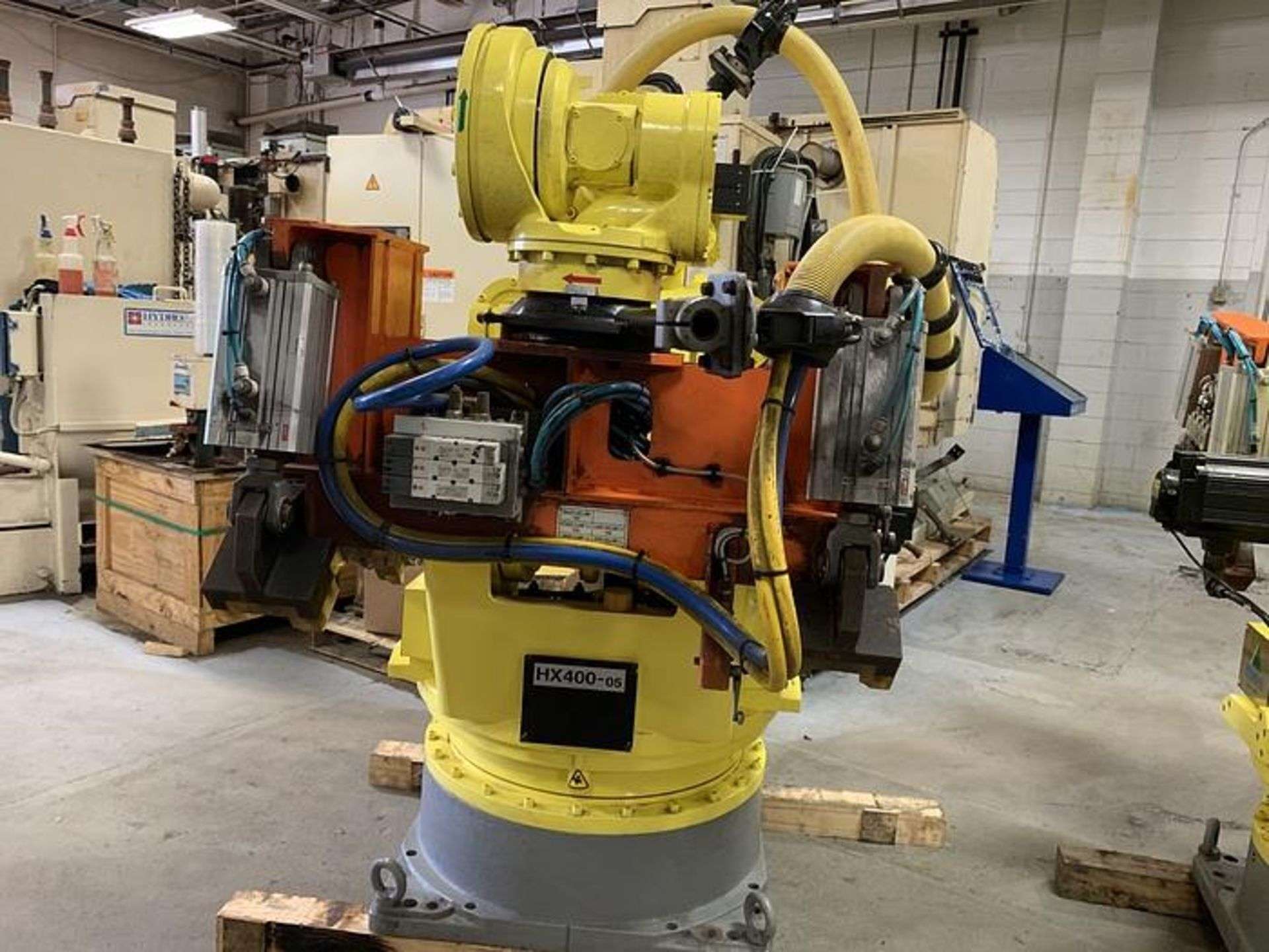 HYUNDIA MODEL HX400 400KG X 2573MM Hi5-N80U CONT. 6 AXIS CNC ROBOT, YEAR 2012, SN HB35-054-572 - Image 4 of 21