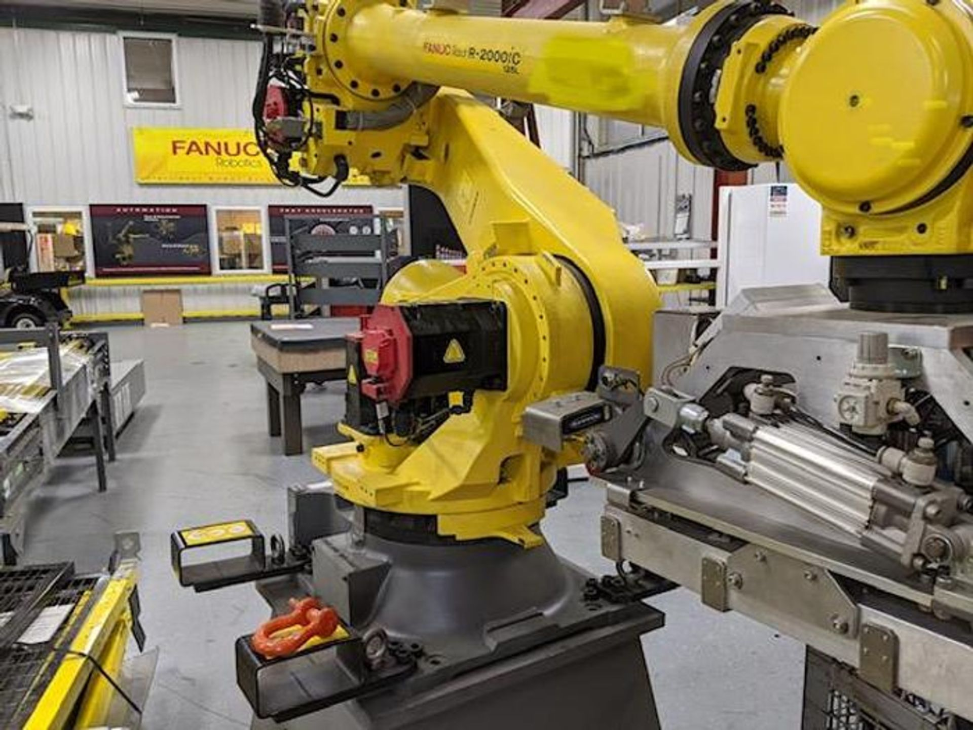 FANUC R2000iC/125L 6 AXIS CNC ROBOT WITH R30iB CONTROLLER, IR VISION, CABLES & REACH - Image 2 of 17