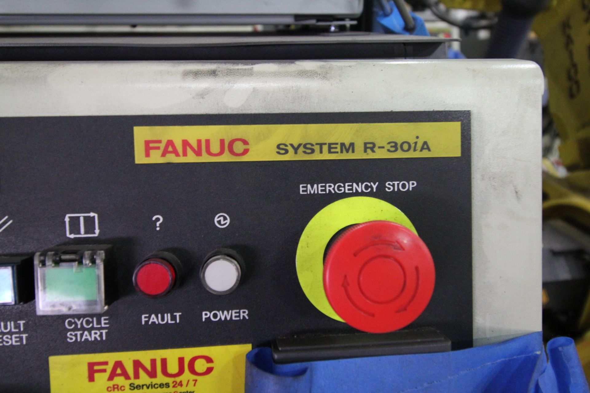 FANUC ROBOT R-2000iB/210F WITH R-30iA CONTROL, CABLES & TEACH PENDANT, SN 148715, YEAR 2014 - Image 5 of 8