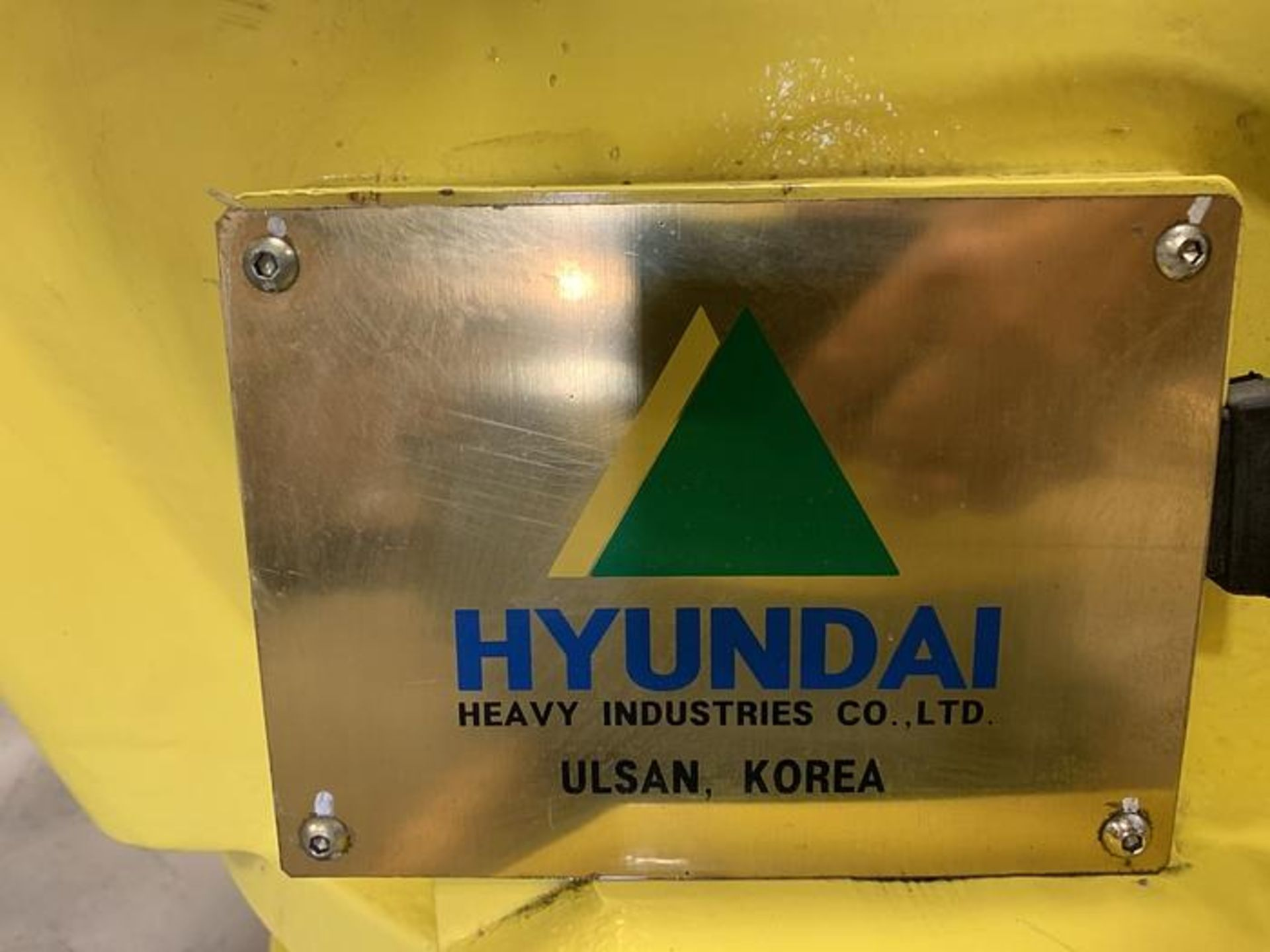 HYUNDIA MODEL HX400 400KG X 2573MM H REACH WITH Hi5-N80U CONTROLLER 6 AXIS CNC ROBOT, YEAR 2012 - Image 14 of 19