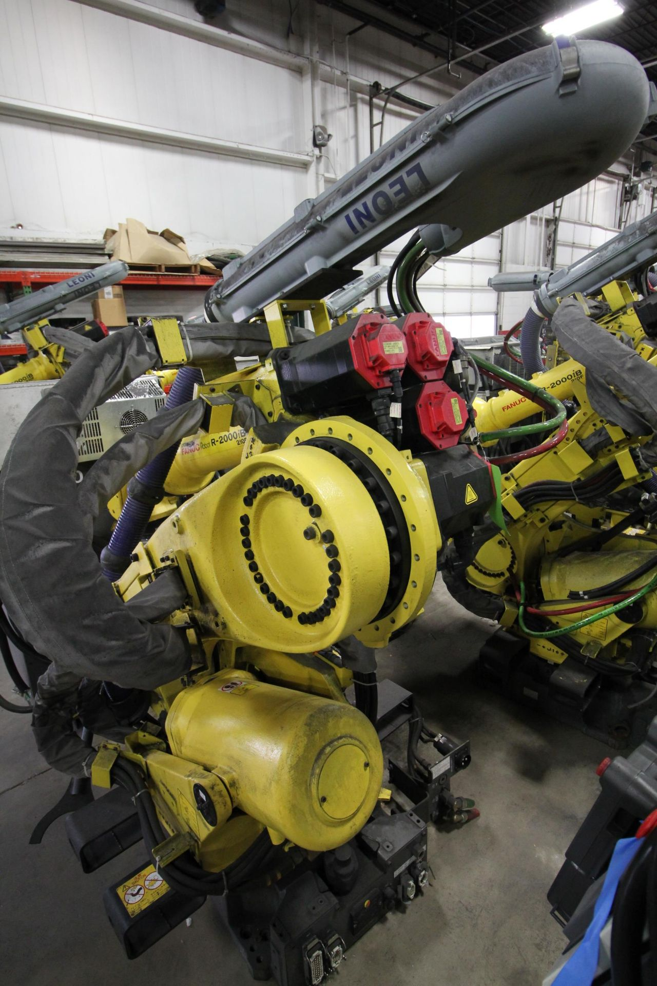 FANUC ROBOT R-2000iB/210F WITH R-30iA CONTROL, CABLES & TEACH PENDANT, SN 97013, YEAR 2009 - Image 3 of 8