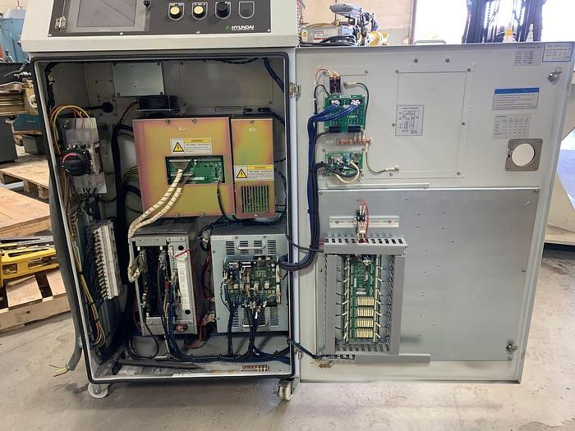 HYUNDIA MODEL HX400 400KG X 2573MM Hi5-N80U CONT. 6 AXIS CNC ROBOT, YEAR 2012, SN HB35-054-572 - Image 6 of 21