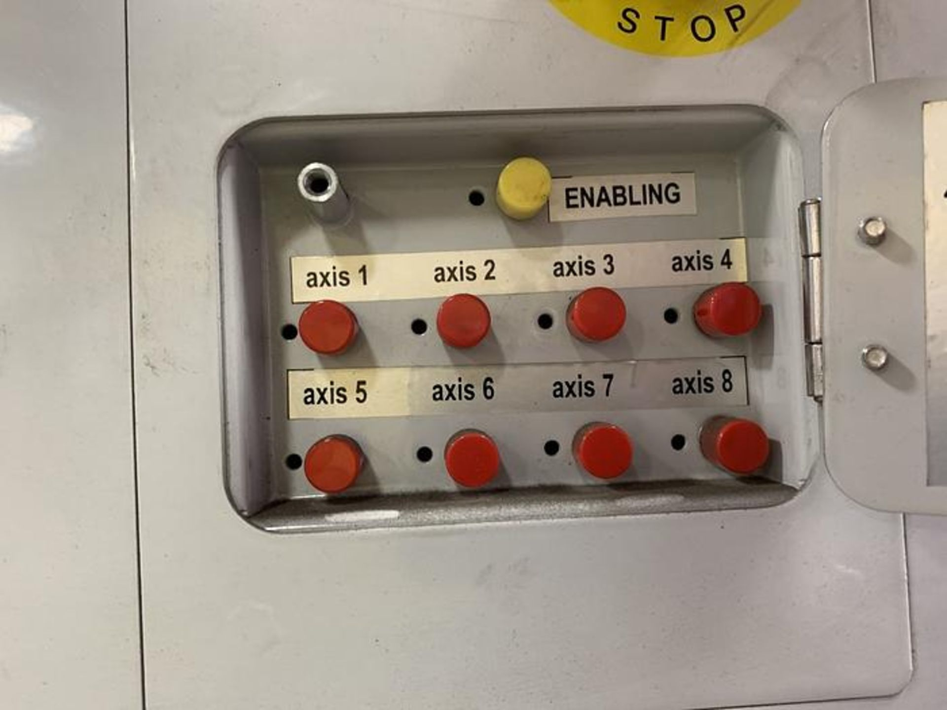 HYUNDIA MODEL HX400 400KG X 2573MM Hi5-N80U CONT. 6 AXIS CNC ROBOT, YEAR 2012, SN HB35-054-572 - Image 7 of 21