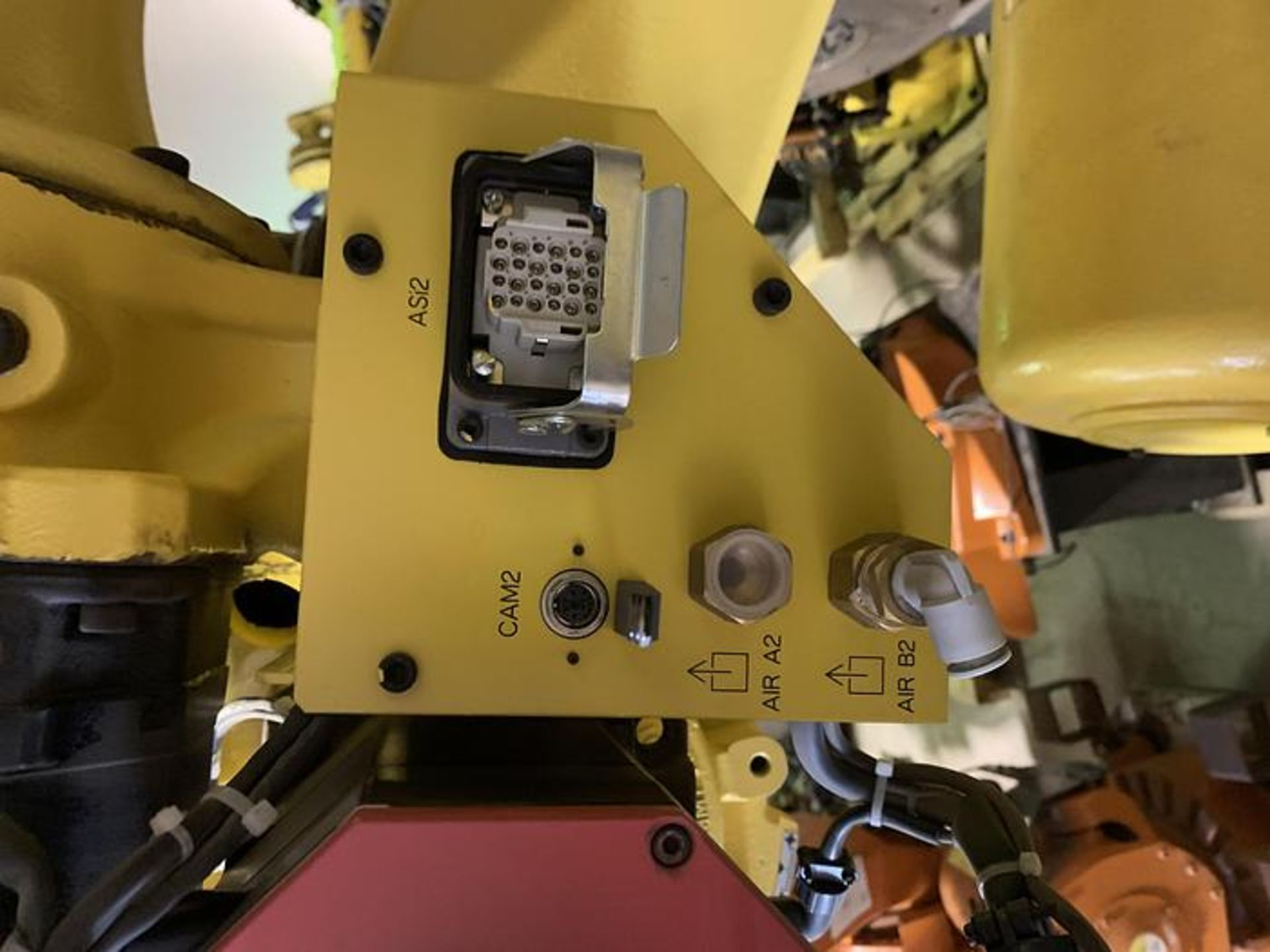 FANUC R2000iC/125L 6 AXIS CNC ROBOT WITH R30iB CONTROLLER, IR VISION, CABLES & REACH - Image 10 of 17