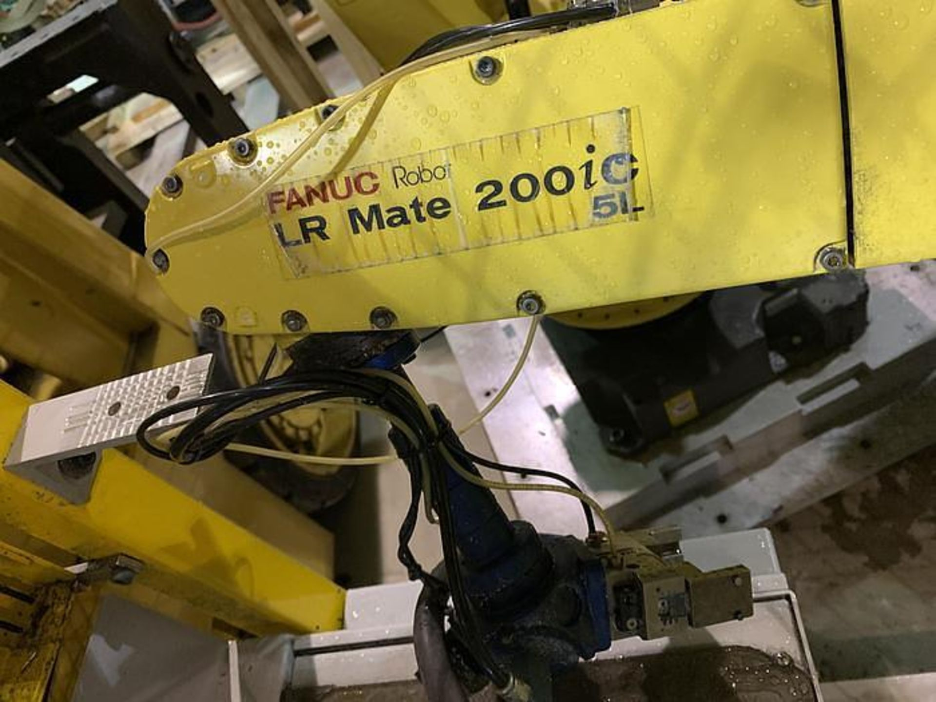 FANUC LR MATE 200iC/5L 6 AXIS CNC ROBOT WITH R30iA CONTROLLER, YEAR 2011, SN F113130 - Image 4 of 6