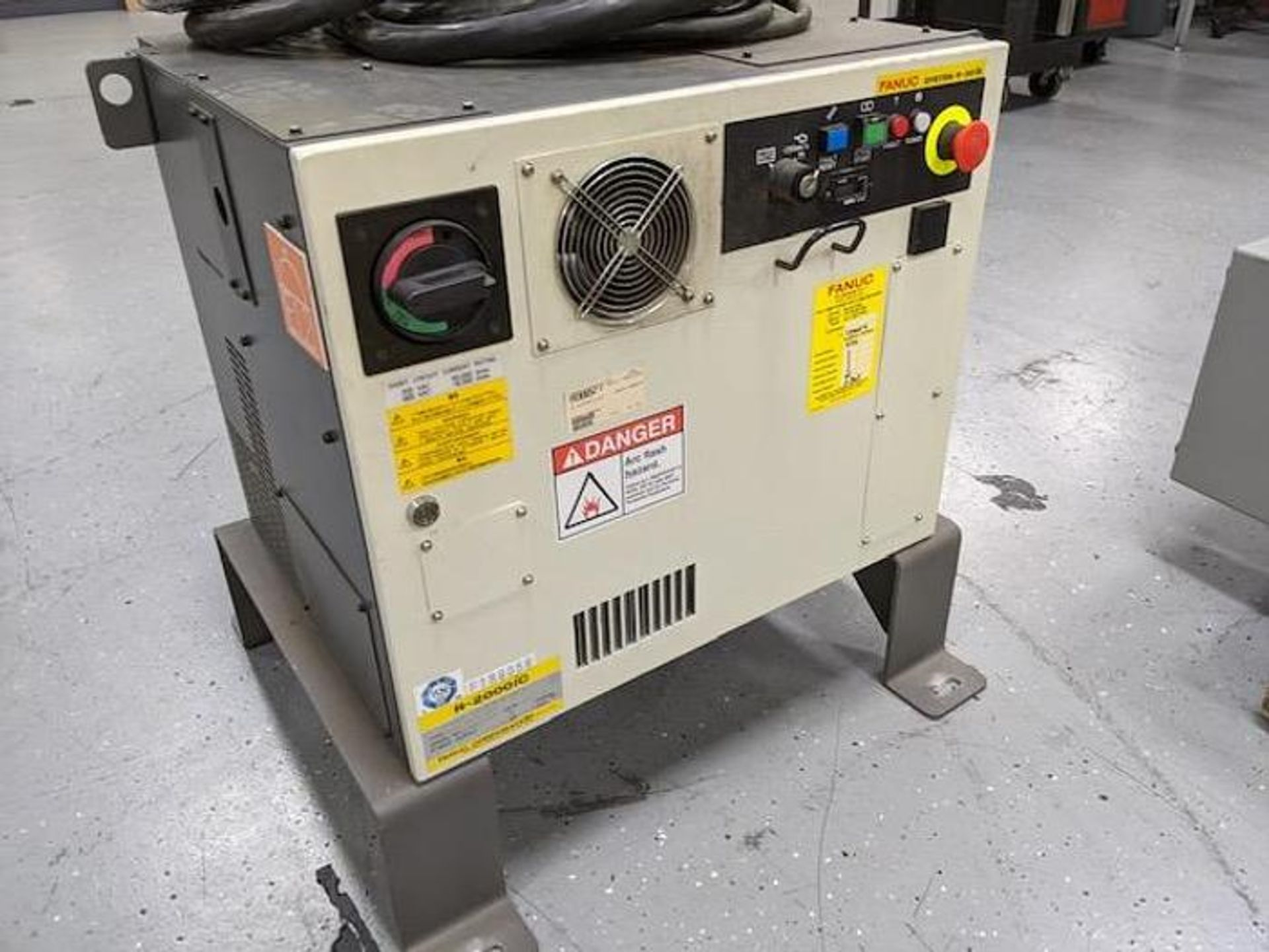 FANUC R2000iC/125L 6 AXIS CNC ROBOT WITH R30iB CONTROLLER, IR VISION, CABLES & REACH - Image 12 of 17