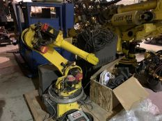 FANUC ARCMATE 120iB/10L 6 AXIS ROBOT, WITH R-30iA CONTROL, CABLES & TEACH, SN F85636, YEAR 07/2007