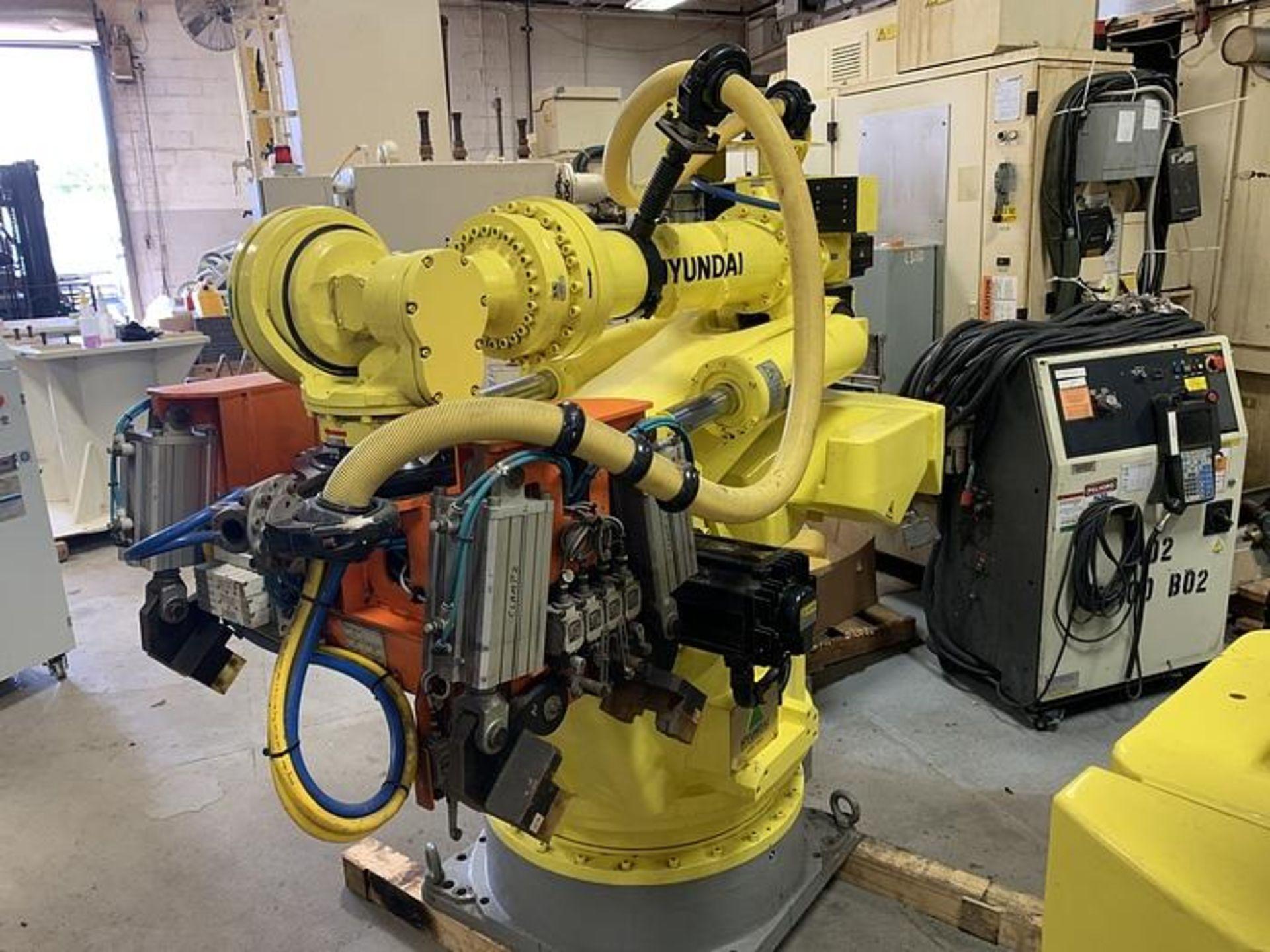 HYUNDIA MODEL HX400 400KG X 2573MM Hi5-N80U CONT. 6 AXIS CNC ROBOT, YEAR 2012, SN HB35-054-572 - Image 3 of 21